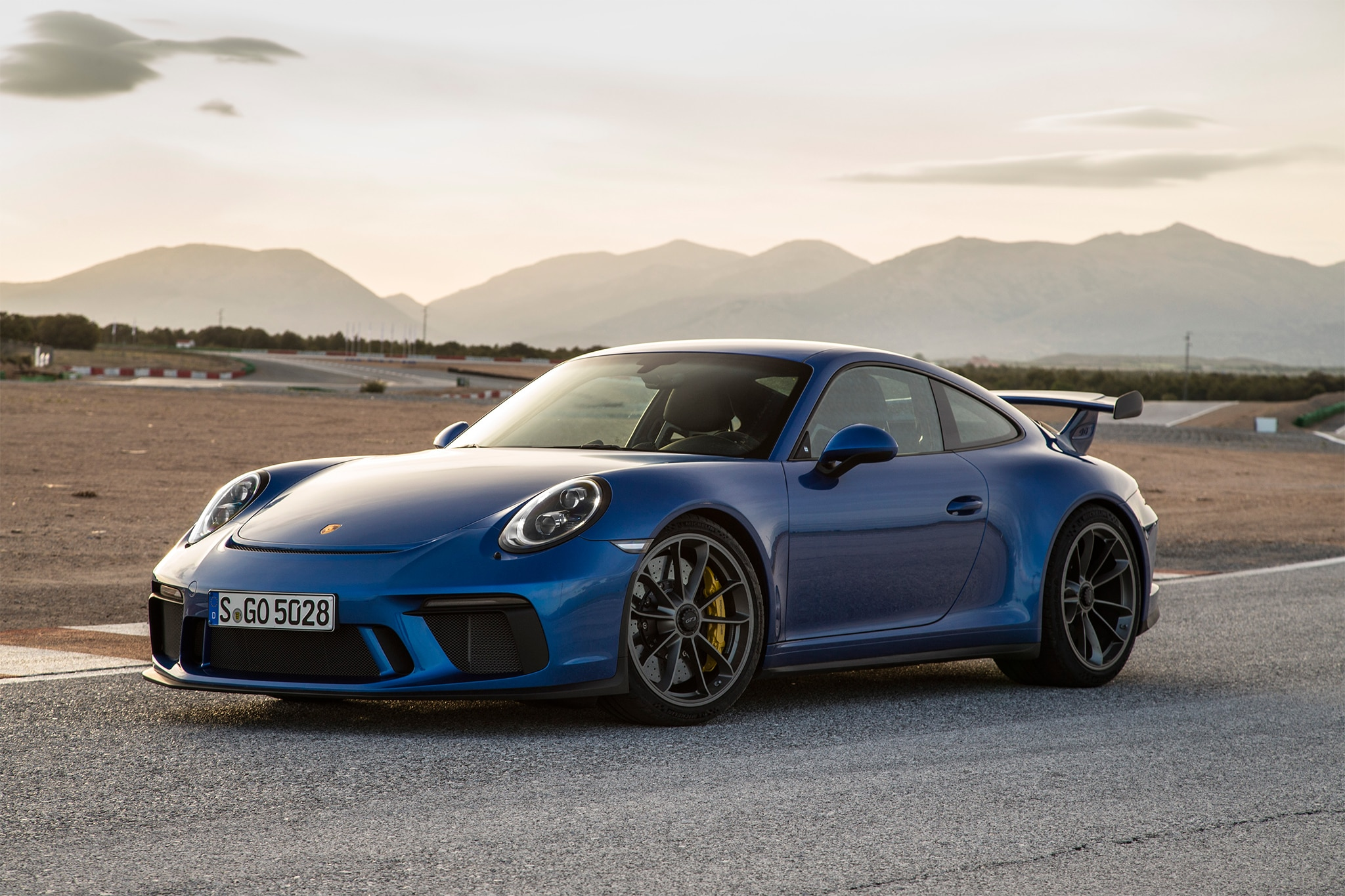 2018 Porsche 911 Gt3 >> 2018 Porsche 911 Gt3 First Drive Review Automobile Magazine