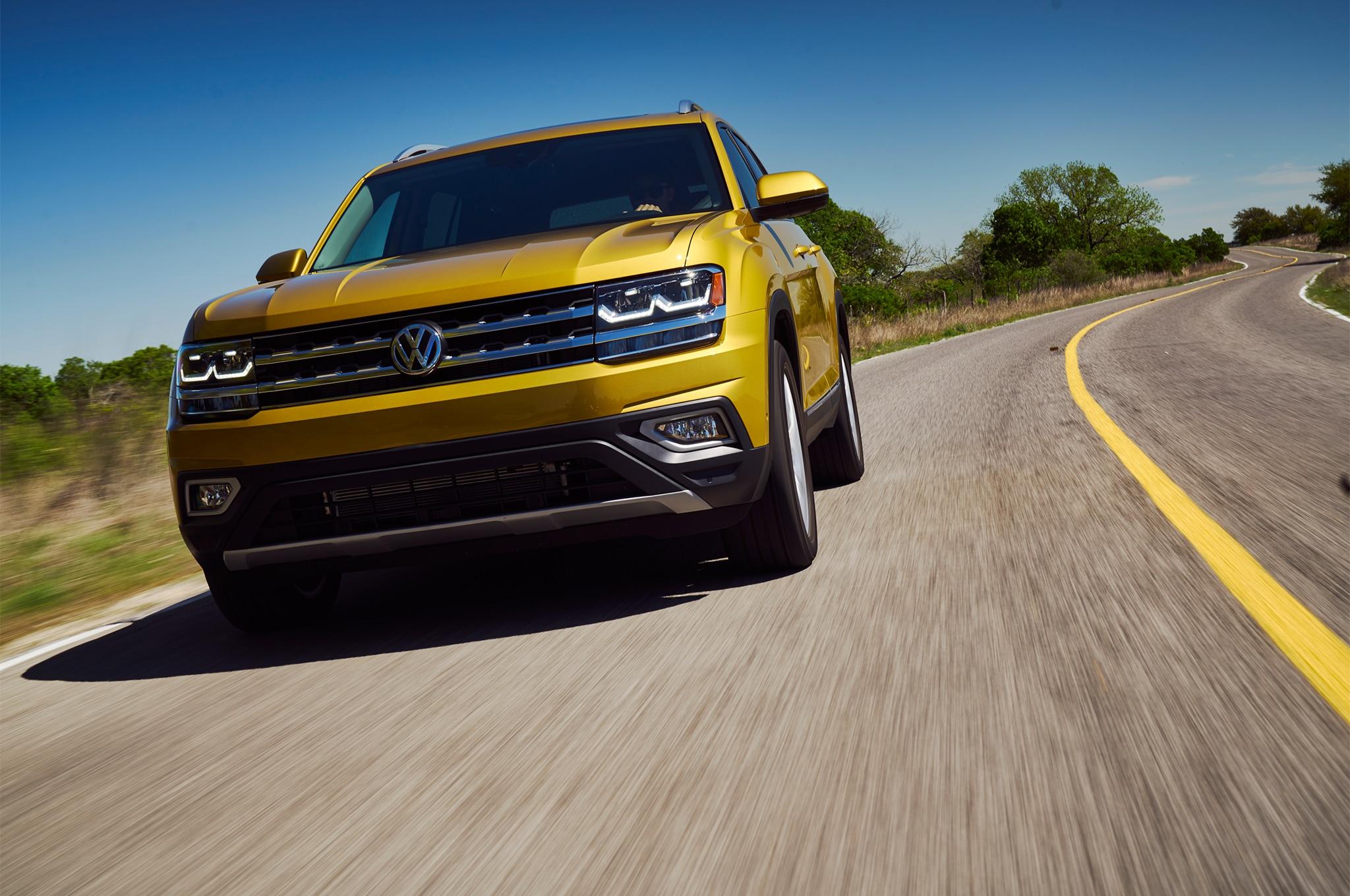 2018 Volkswagen Atlas Front Three Quarter In Motion 05 6