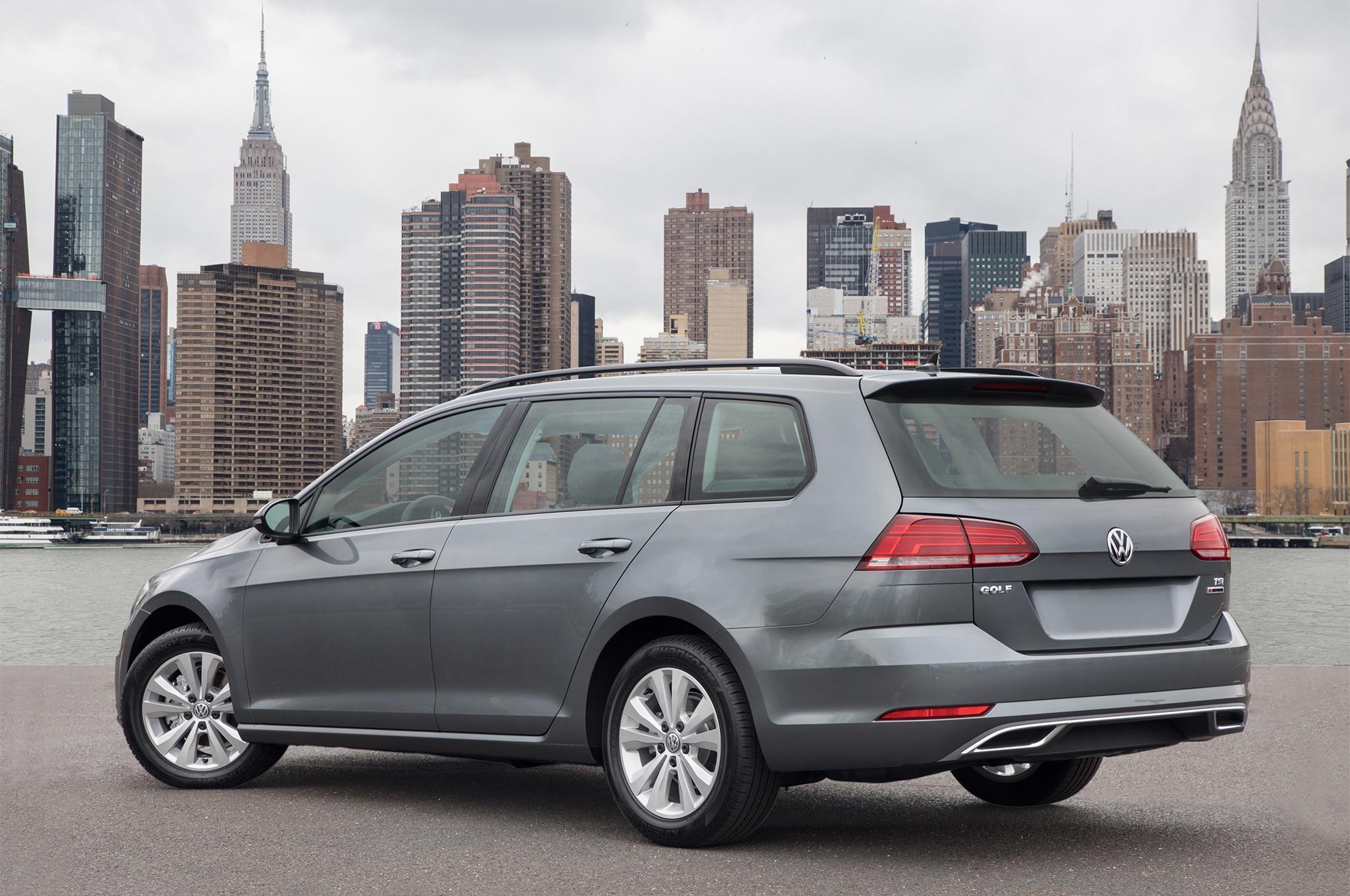 2018-Volkswagen-Golf-SportWagen-rear-three-quarter-1
