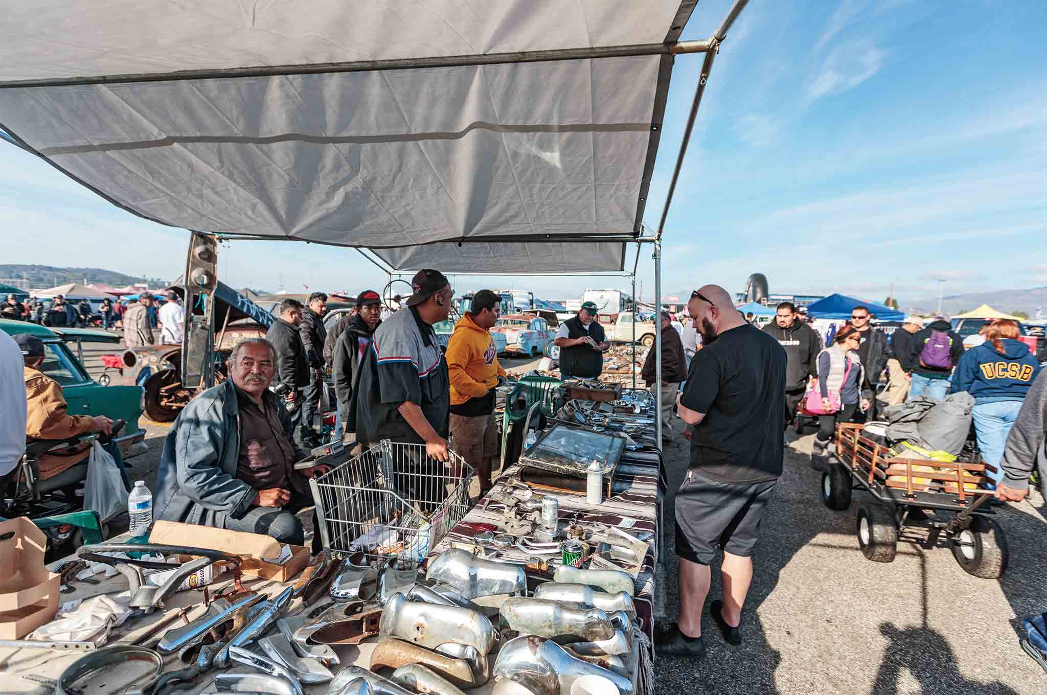 The Pomona Swap Meet Is A So Cal Tradition For Car