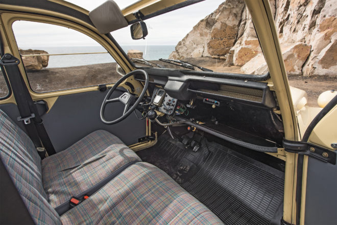 1990 Citroen 2CV6 Special interior overview