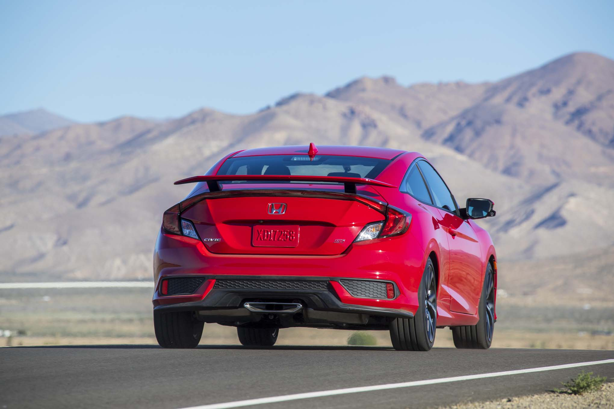 2017 Honda Civic Si First Drive Review | Automobile Magazine