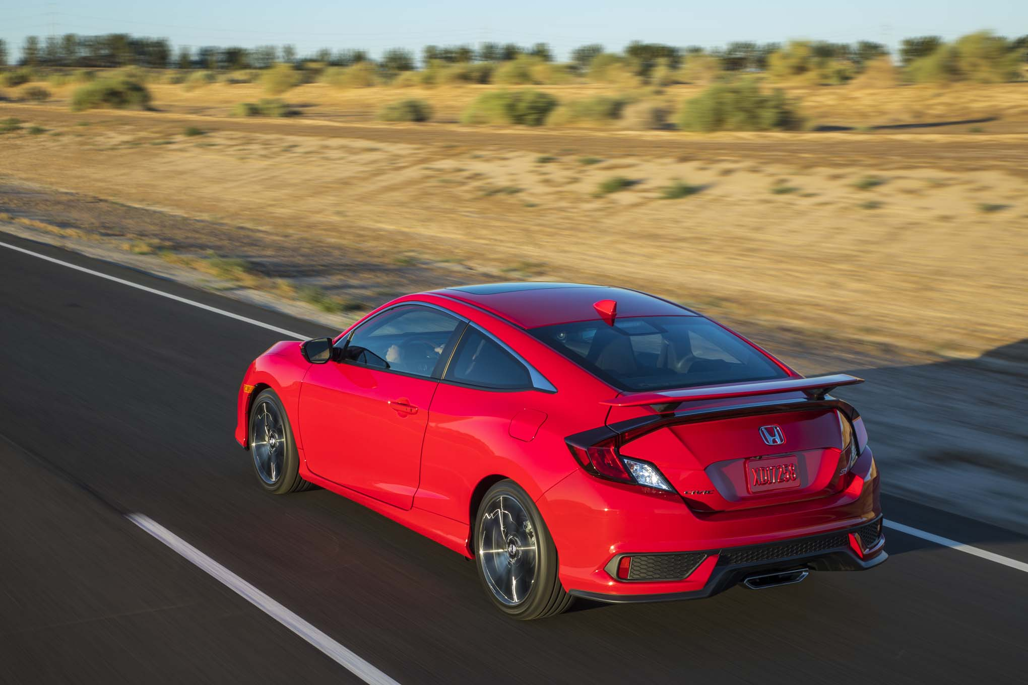 Honda Doesnu0027t Publish Numbers, But We Estimate The Civic Si To Be Capable  Of Dashing From 0 To 60 Mph In A Bit More Than 6.0 Seconds And Hitting A Top  Speed ...