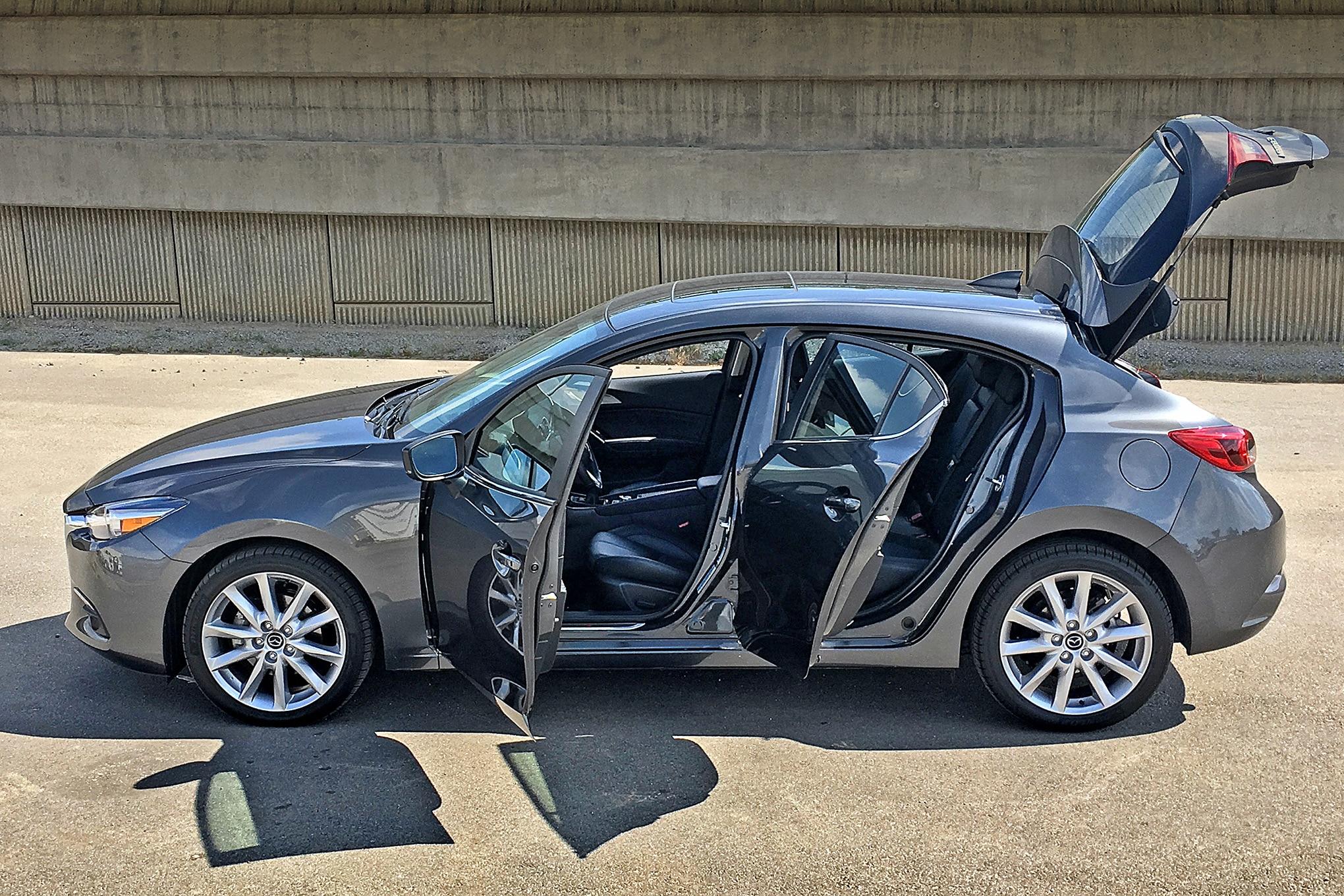 Mazda 3 hatchback grand touring 2017