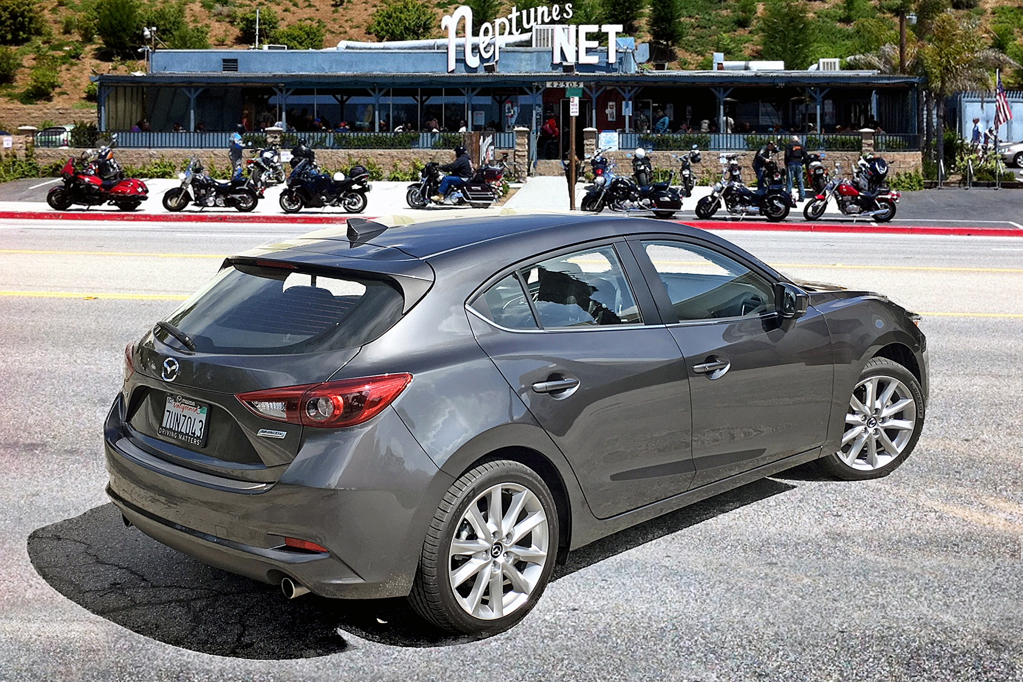 Mazda 3 Owners Manual: Driving on Uneven Road