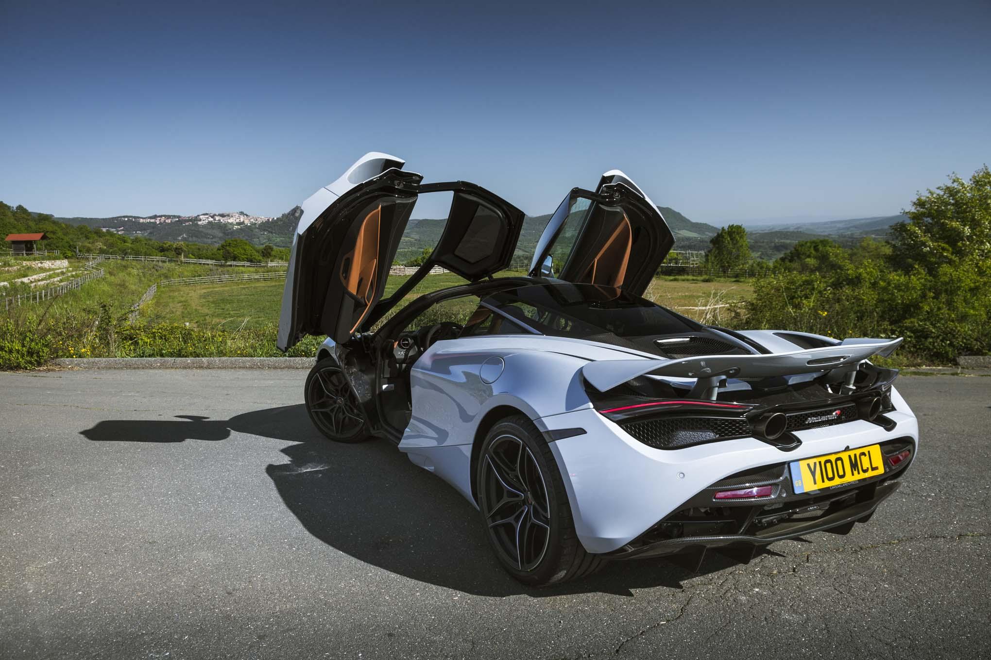 https://st.automobilemag.com/uploads/sites/11/2017/05/2018-McLaren-720S-rear-three-quarters-1.jpg
