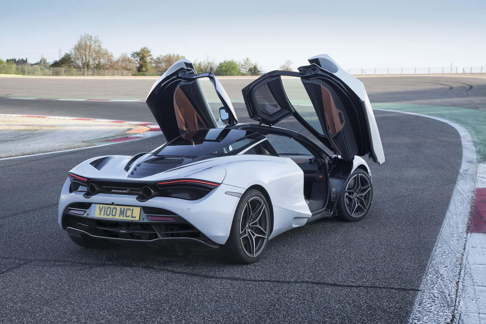 https://st.automobilemag.com/uploads/sites/11/2017/05/2018-McLaren-720S-rear-three-quarters-doors-open-02.jpg