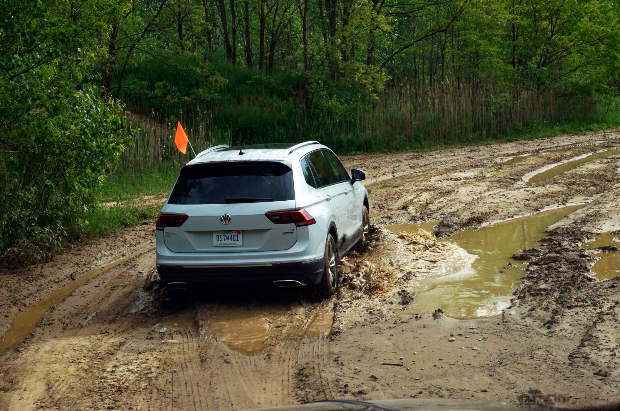 going off road in the 2018 volkswagen tiguan 4motion automobile