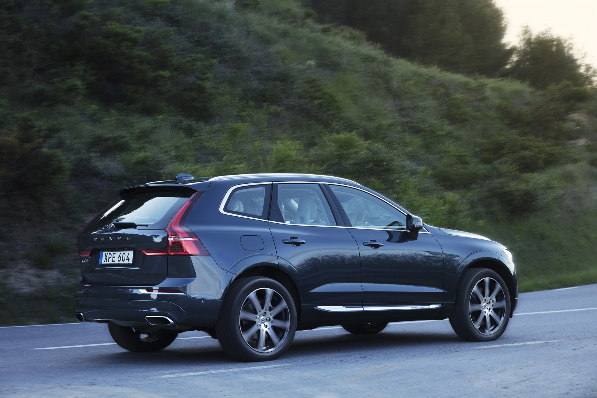 2018 Volvo Xc60 T6 Awd First Drive Review Automobile Magazine