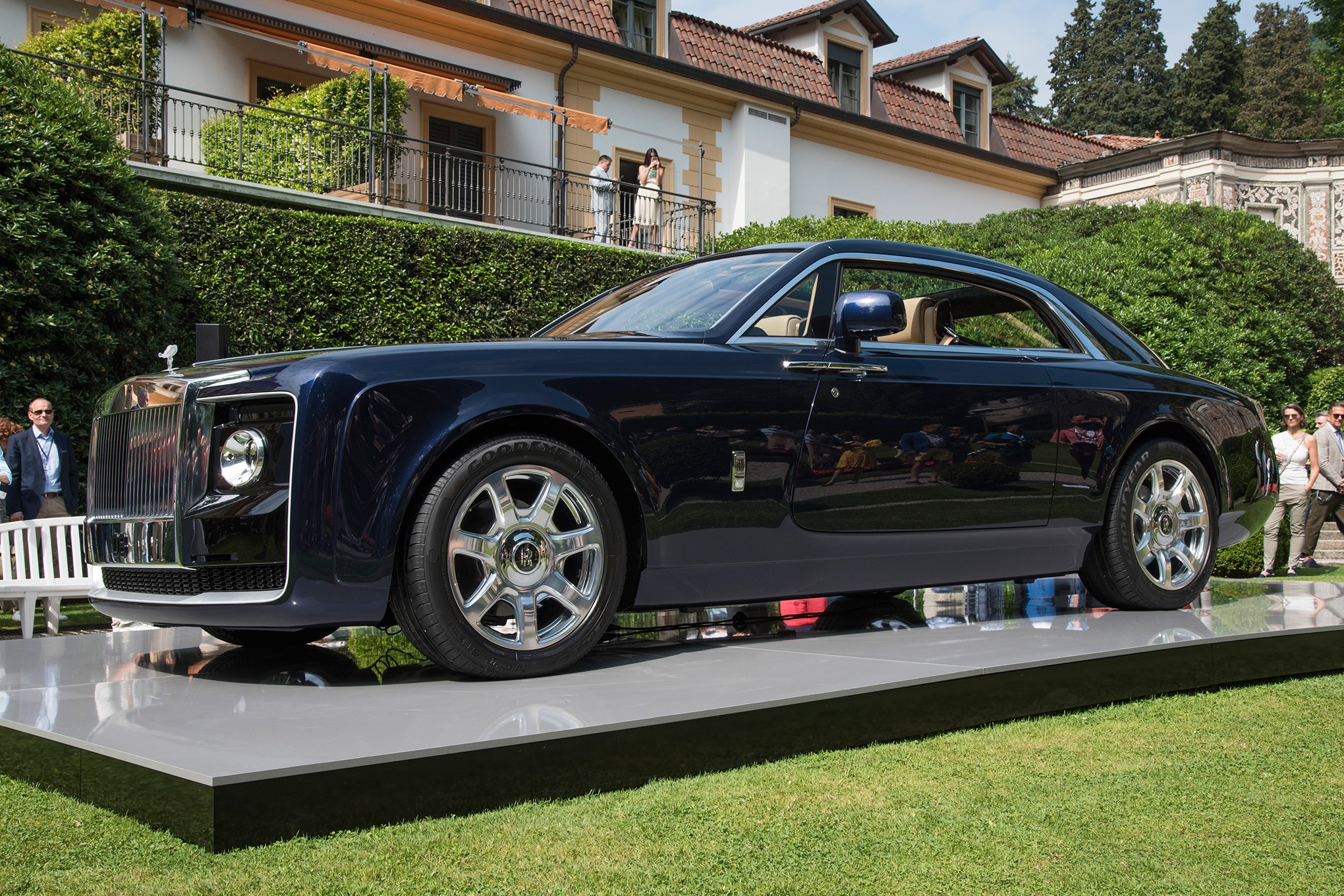 Rolls Royce Car  Price