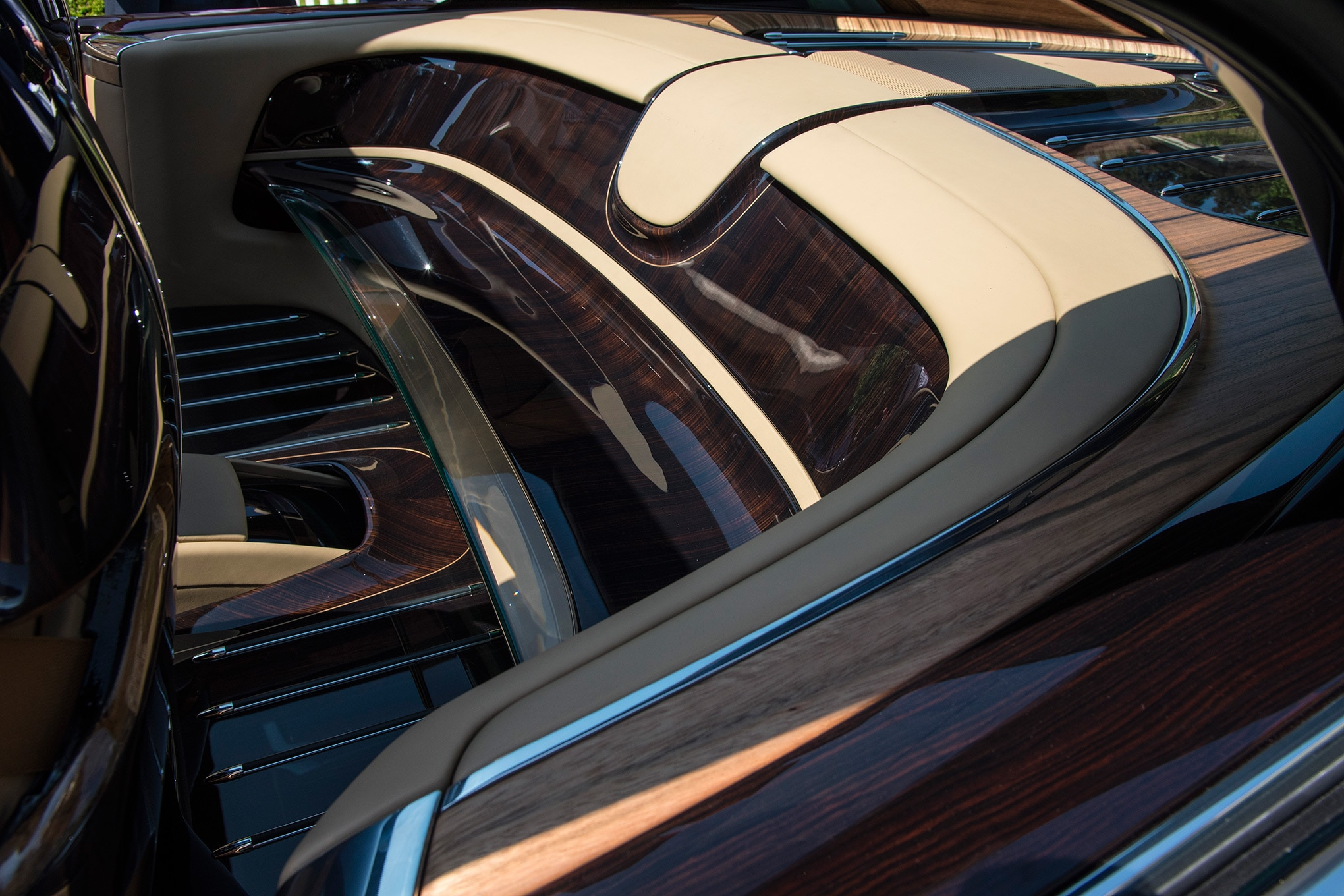 Rolls Royce Sweptail >> Rolls-Royce Sweptail Brings Ultra-Luxe Coach-Building Into the 21st Century   Automobile Magazine