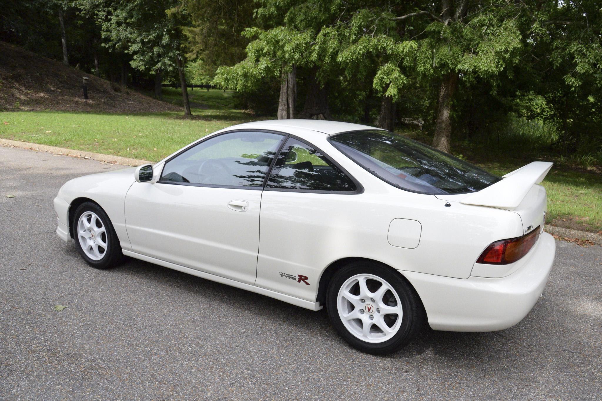 Just Listed Mile Acura Integra Type R Automobile Magazine - Acura integra 97