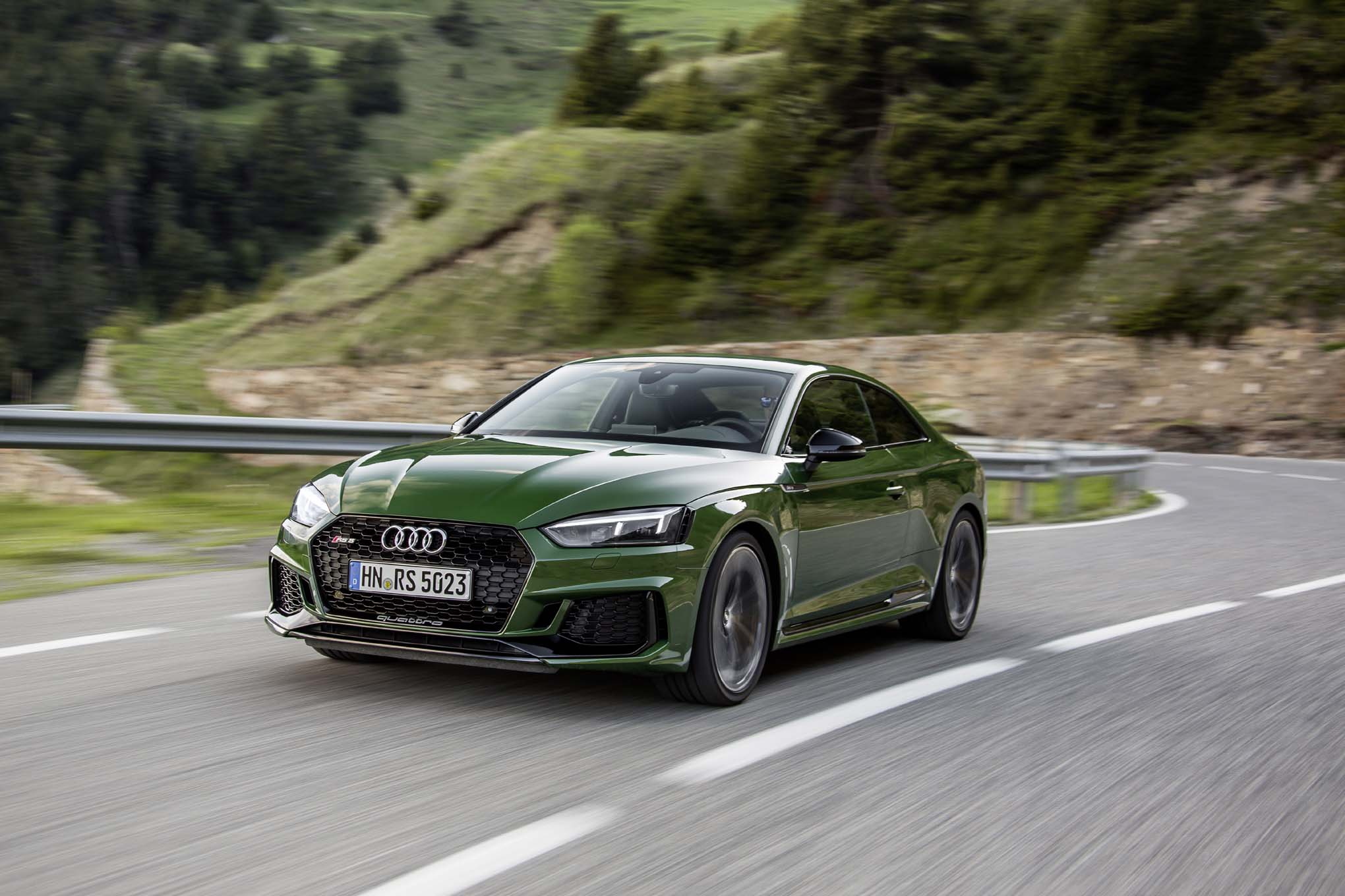 2018 Audi RS 5 Coupe Front Three Quarter In Motion 09