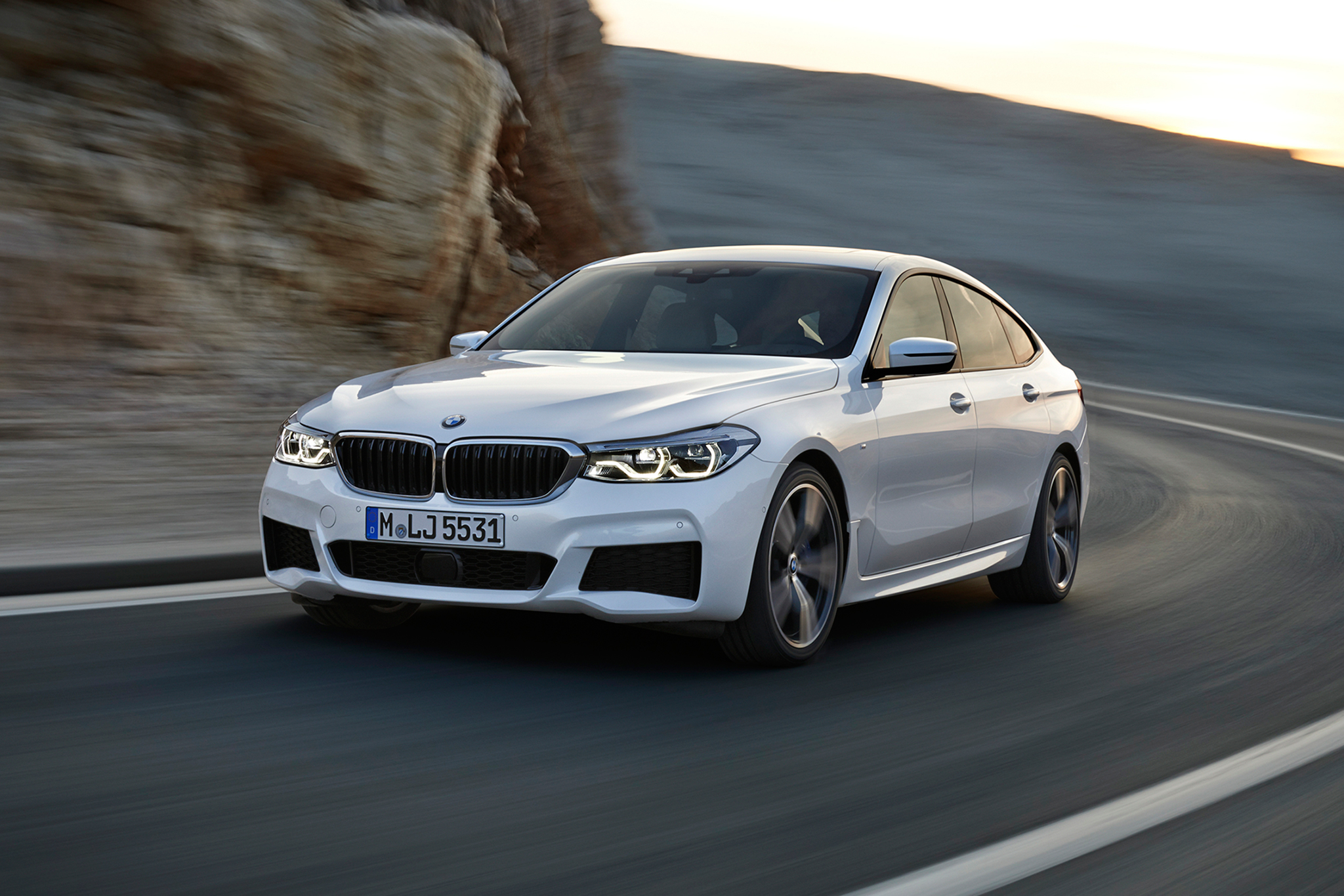 Despite Its Near Identical Size The 4 409 Lb 2018 640i Gt Weighs 221 Lbs Less Than All Wheel Drive 535i And A Whopping 531