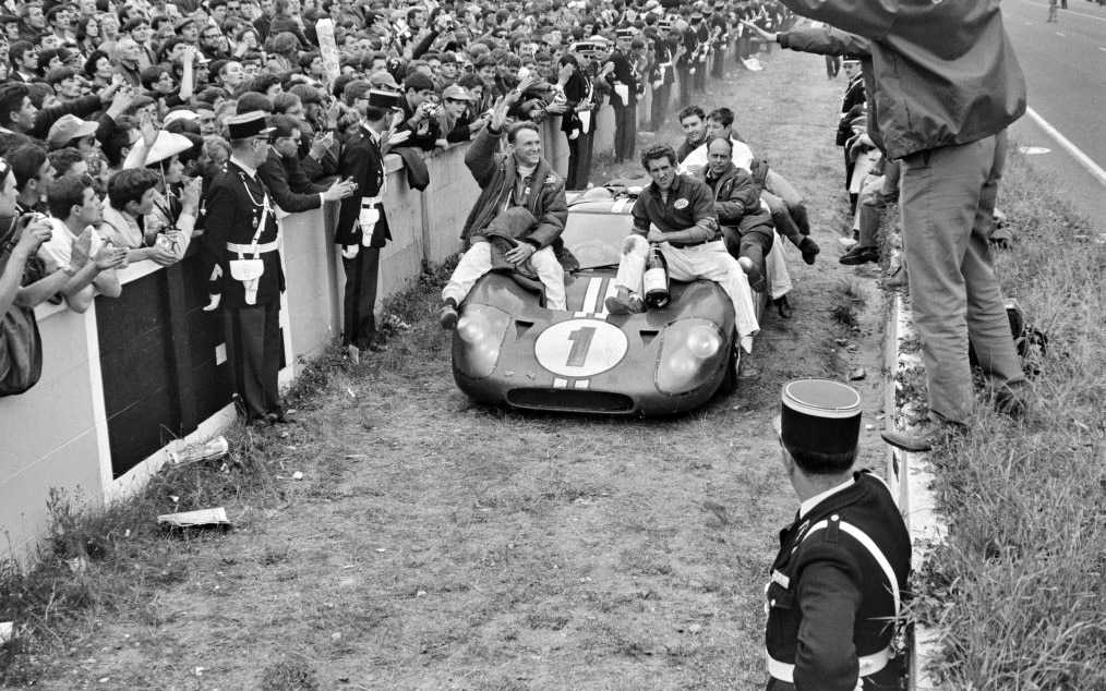 Dan Gurney And Ford Racing Team On GT40