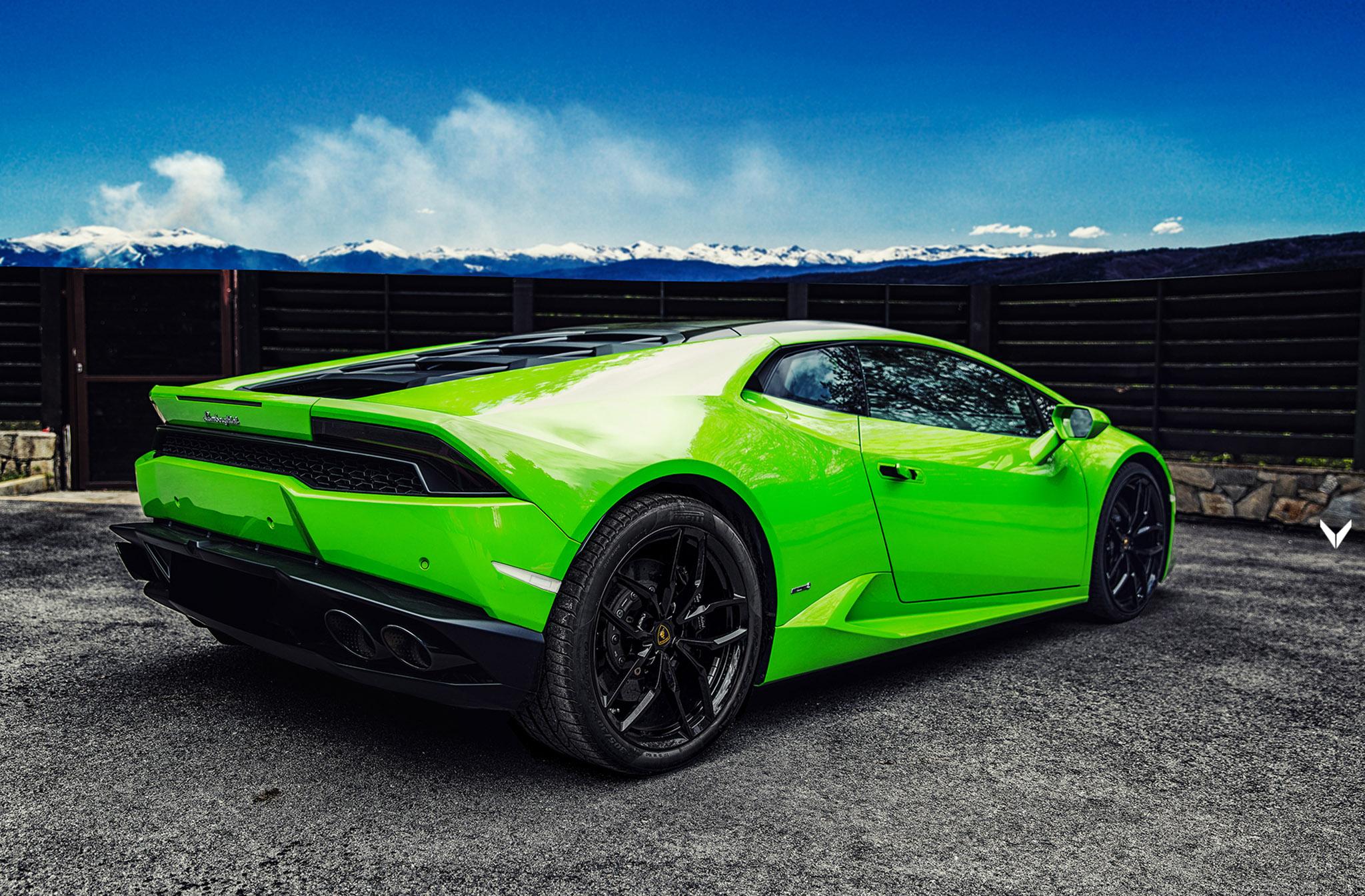 Vilner S Verde Mantis Lamborghini Huracan Should Brighten Your Day