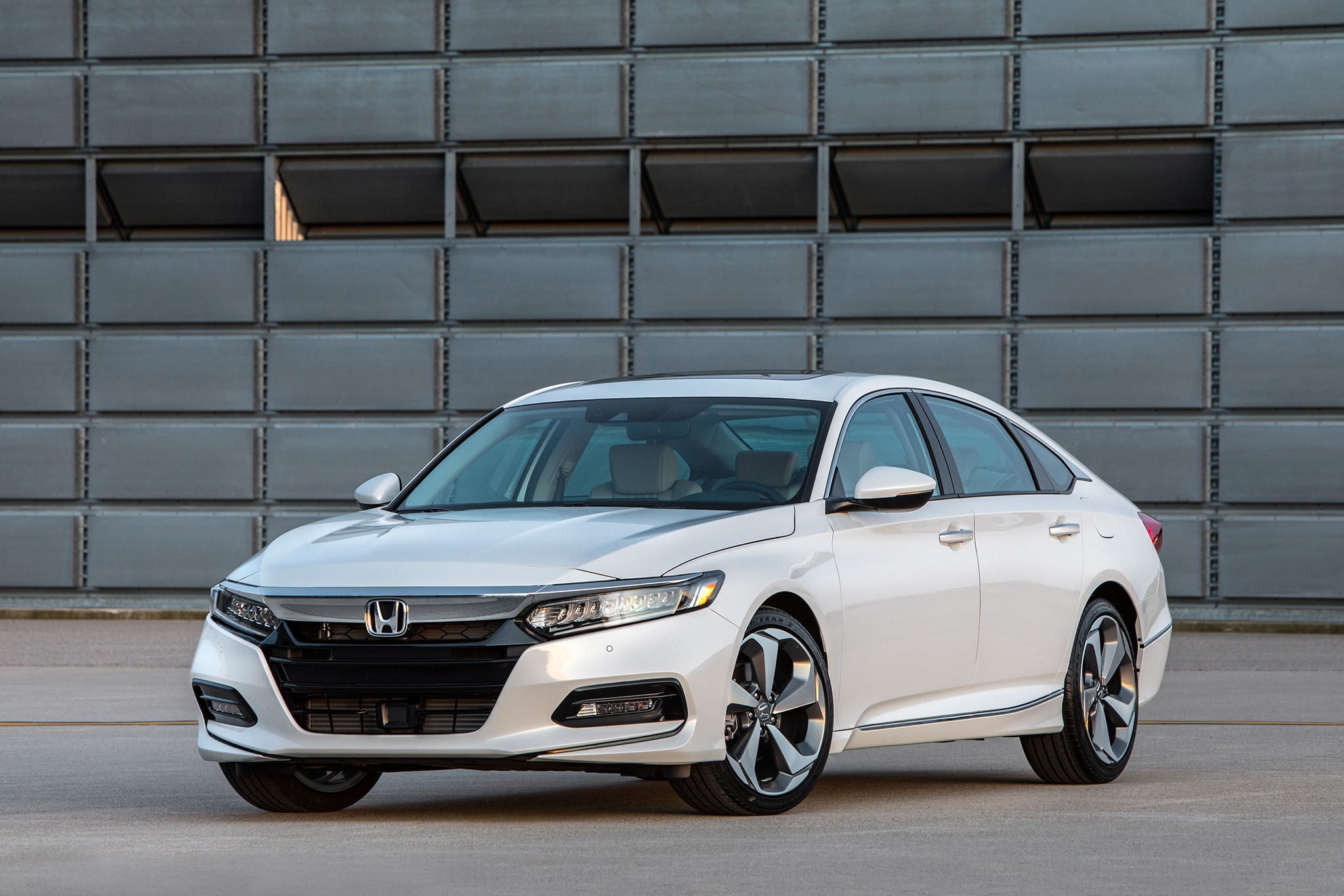 Honda Accord Awd >> The 2018 Honda Accord Wants You To Forget All About Crossovers