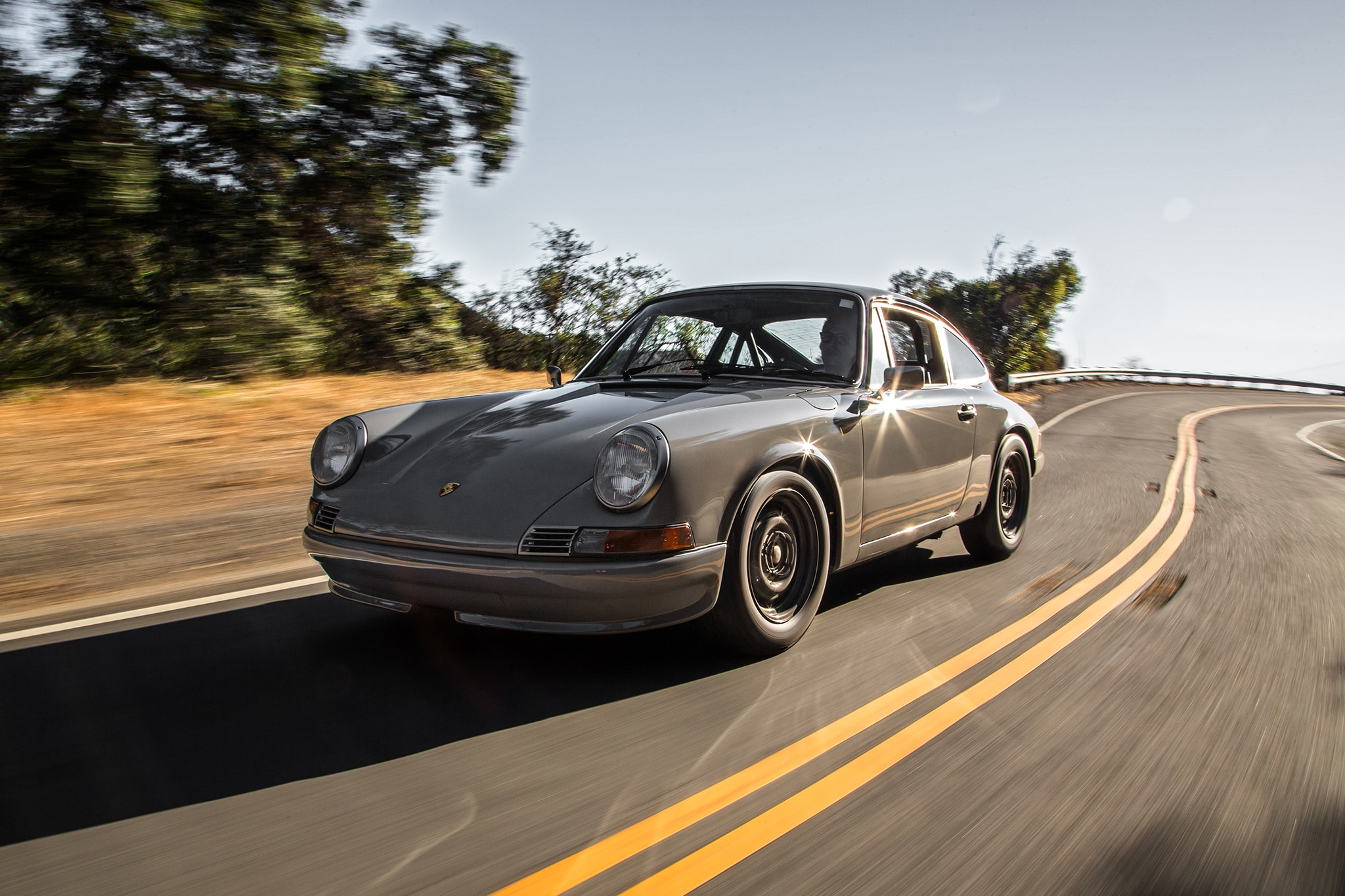 An Afternoon With Two Vintage Porsche 911s Re-Imagined by LA's ...