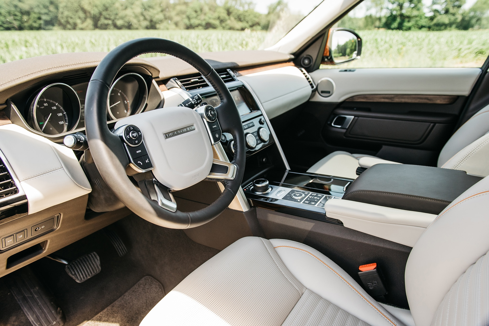 2017 Land Rover Discovery Td6 HSE Dashboard