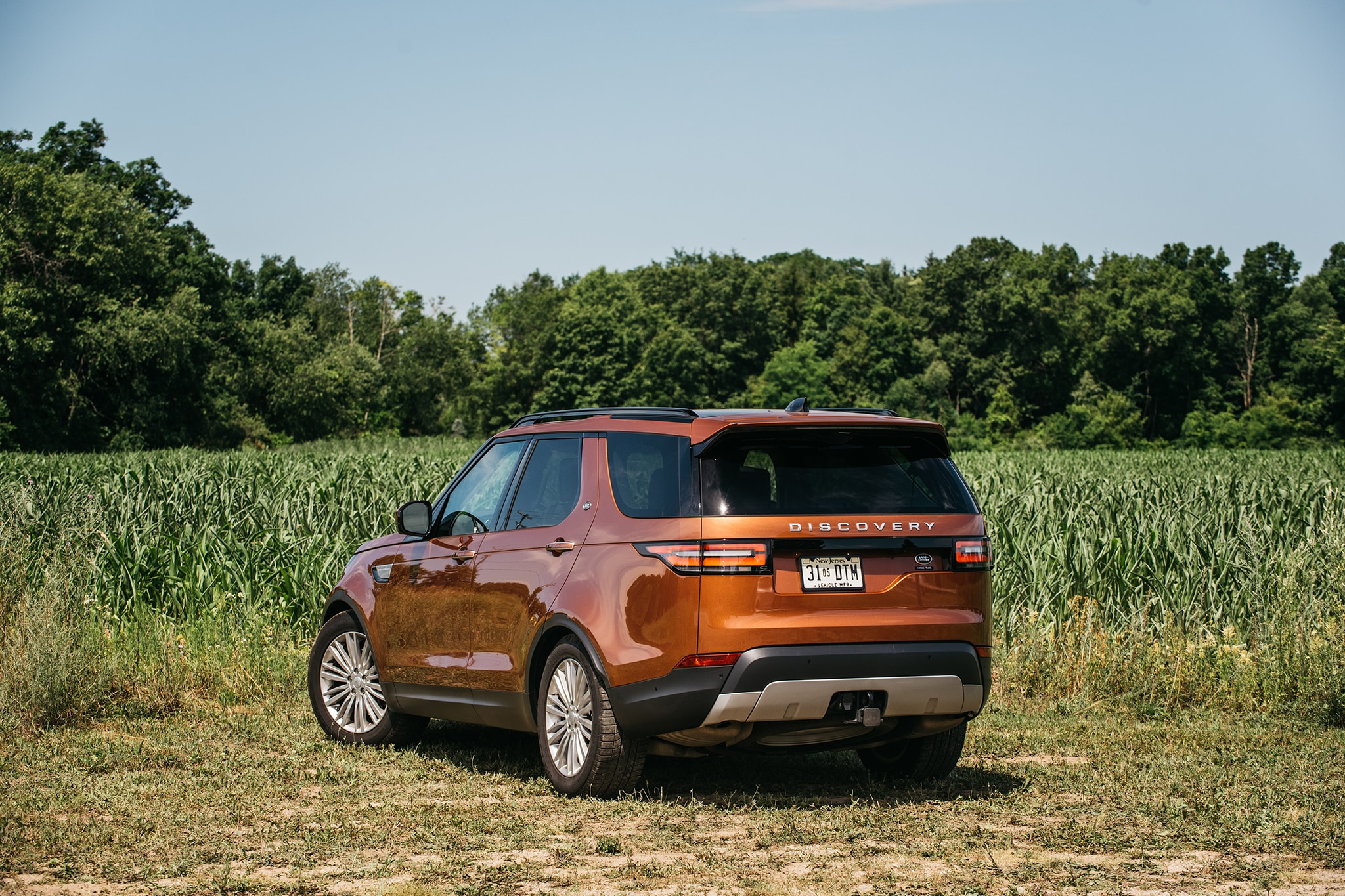 2017 Land Rover Discovery Td6 HSE Rear Three Quarter