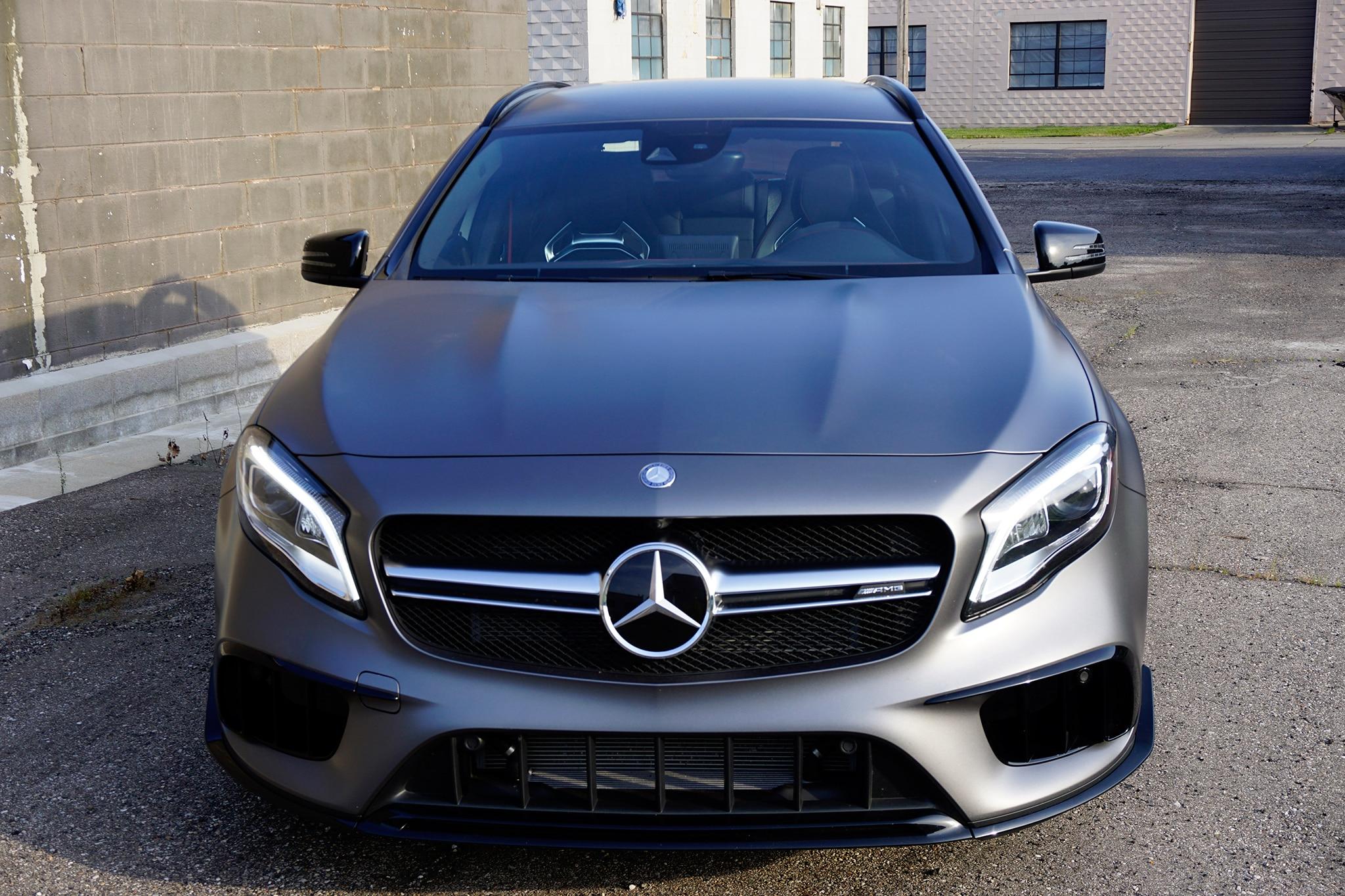 https://st.automobilemag.com/uploads/sites/11/2017/08/2018-Mercedes-AMG-GLA45-front-view.jpg