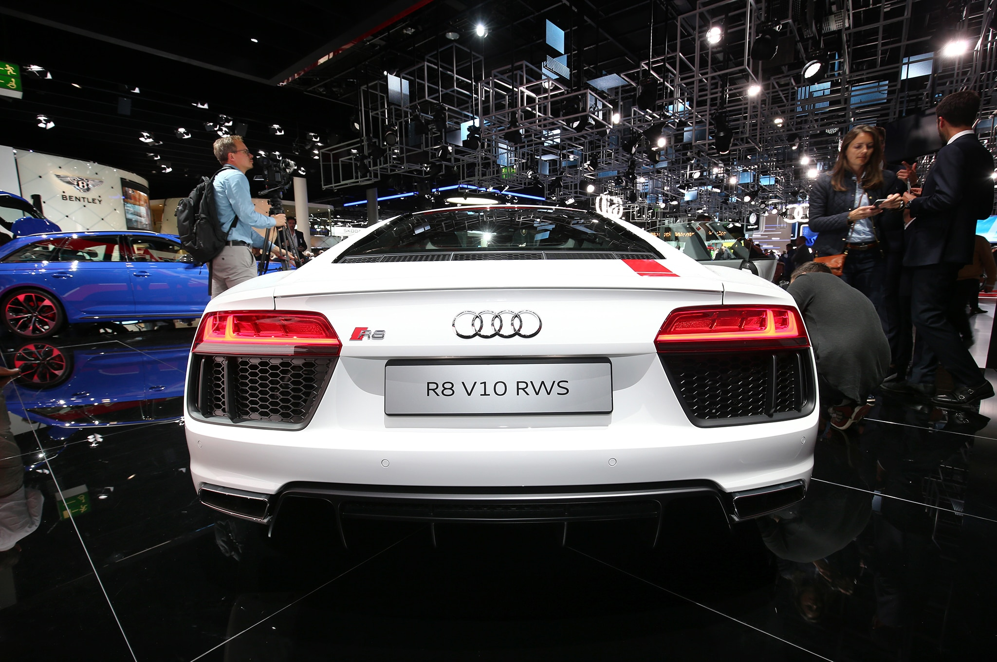 Six Things You Need To Know About The Audi R8 V10 Rws Automobile