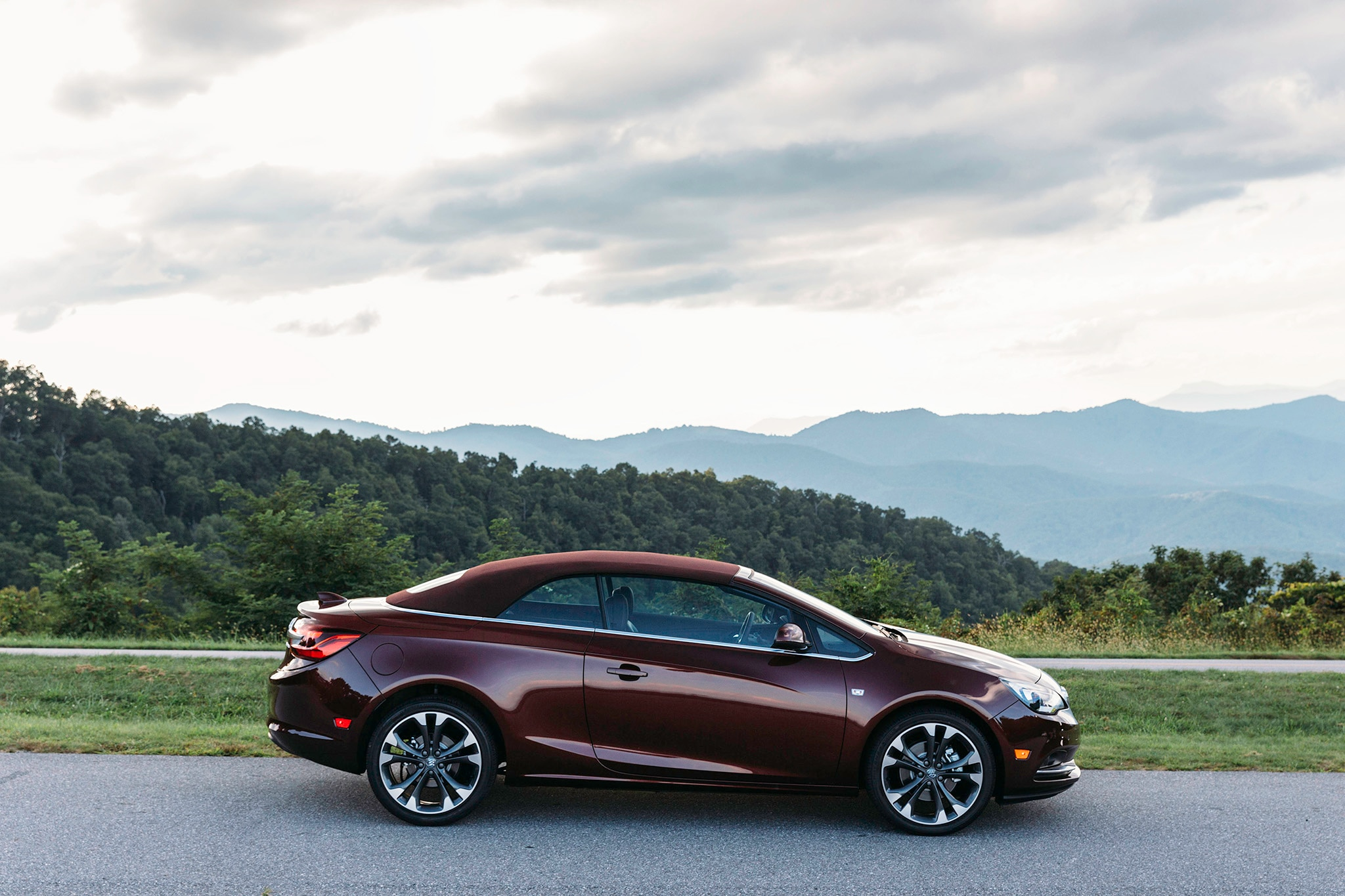 2018 Buick Cascada Adds Three New Colors New Package