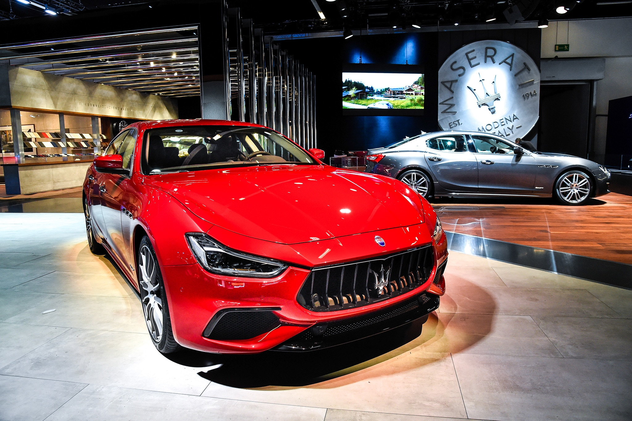 Maserati Refreshes Ghibli For 2018 With New Face Updated