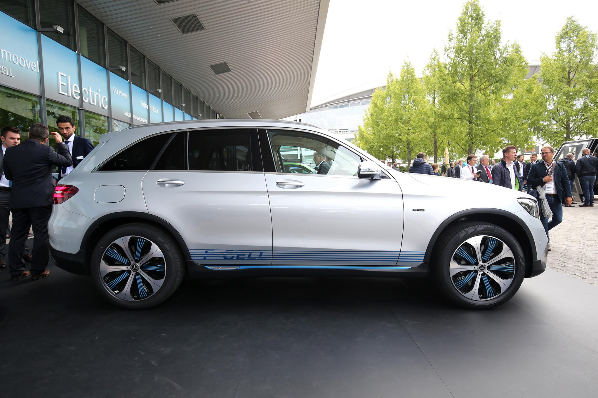 Mercedes Benz GLC F Cell Side Profile