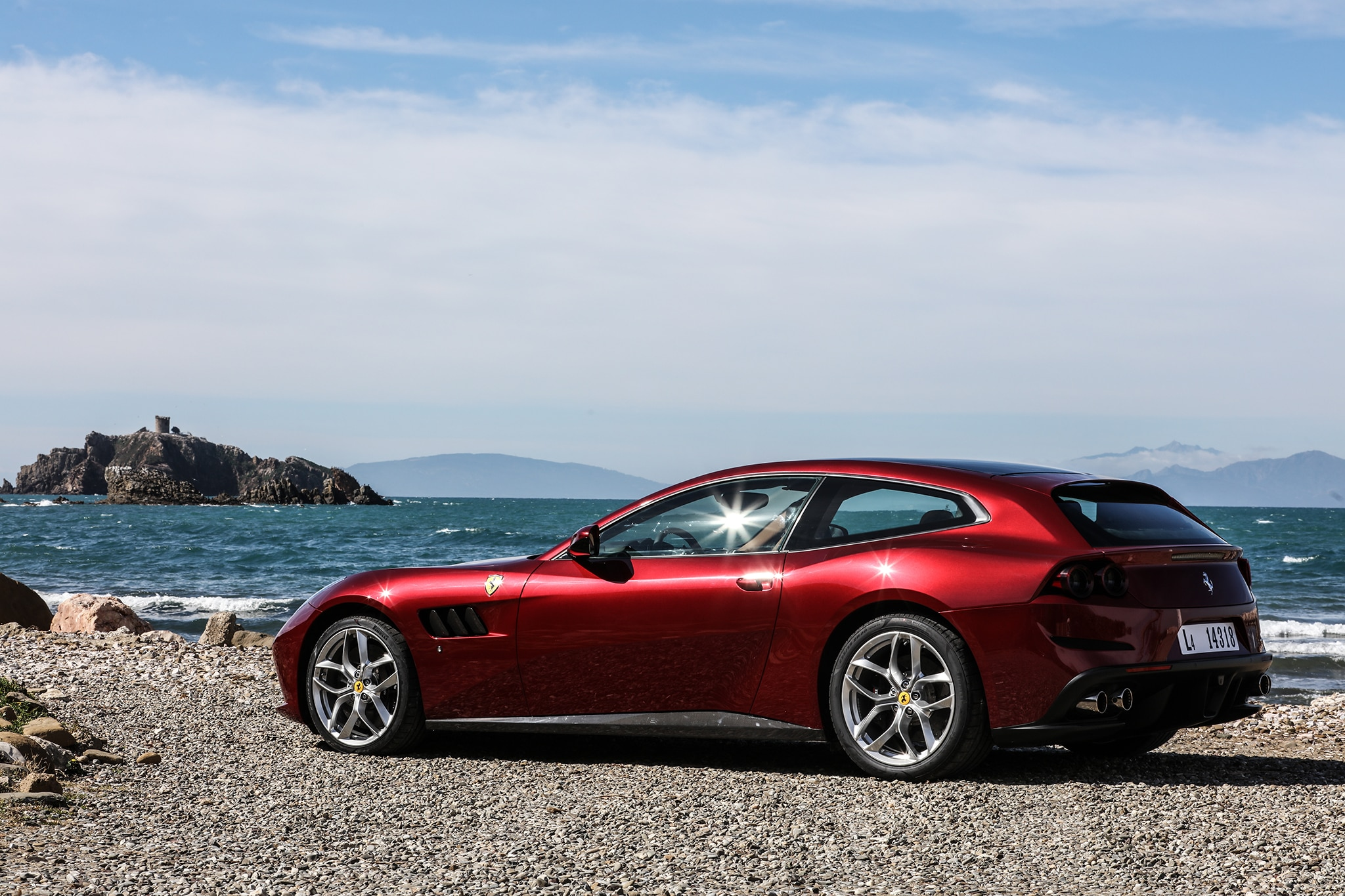 first drive: 2018 ferrari gtc4 lusso t | automobile magazine