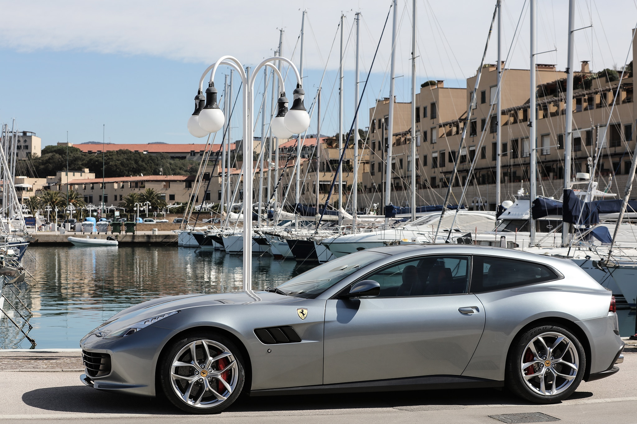 One Week With: 2018 Ferrari GTC4Lusso T | Automobile Magazine