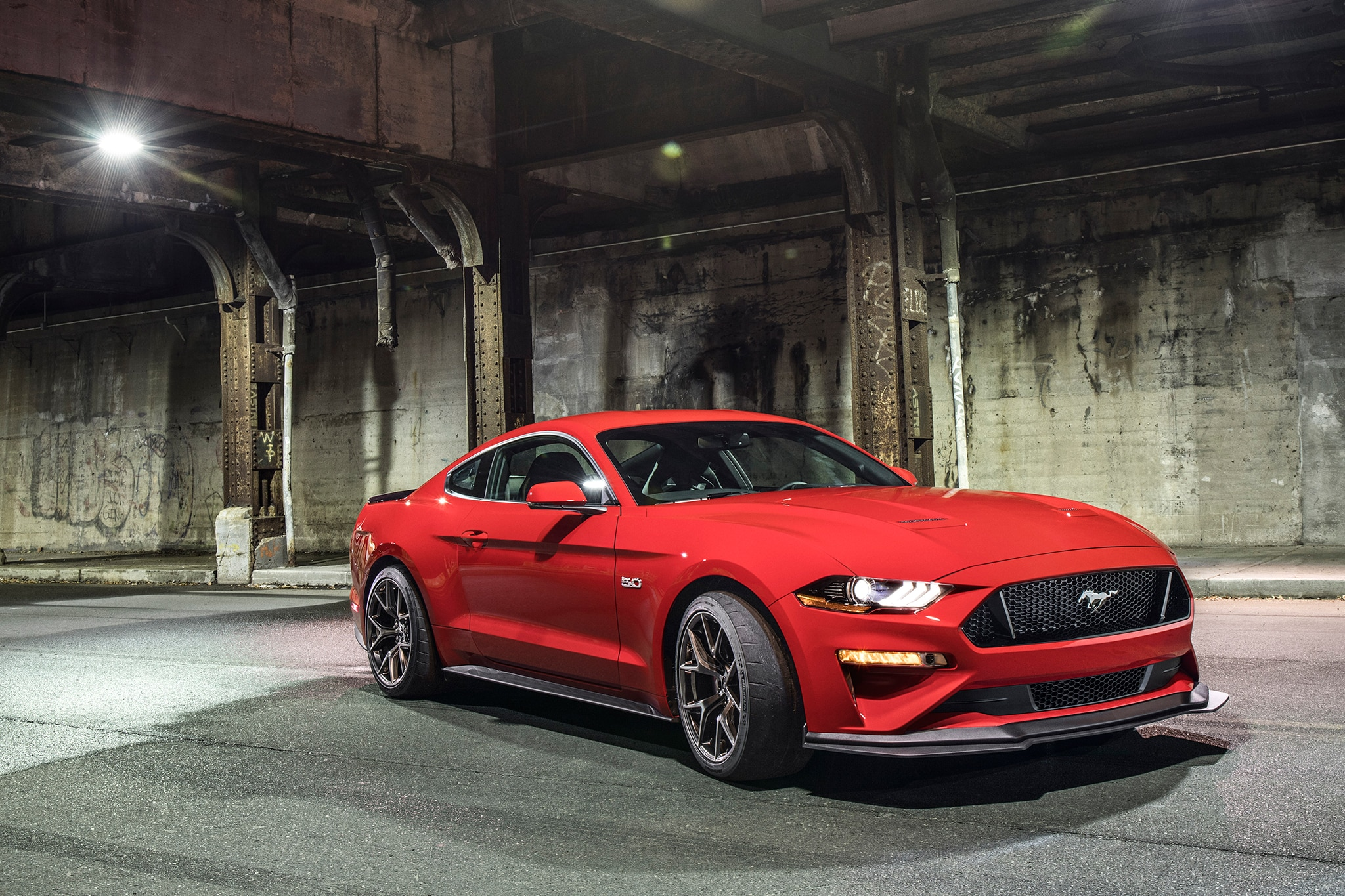 2018 Ford Mustang Performance Pack Level 2 Front Three Quarter 04