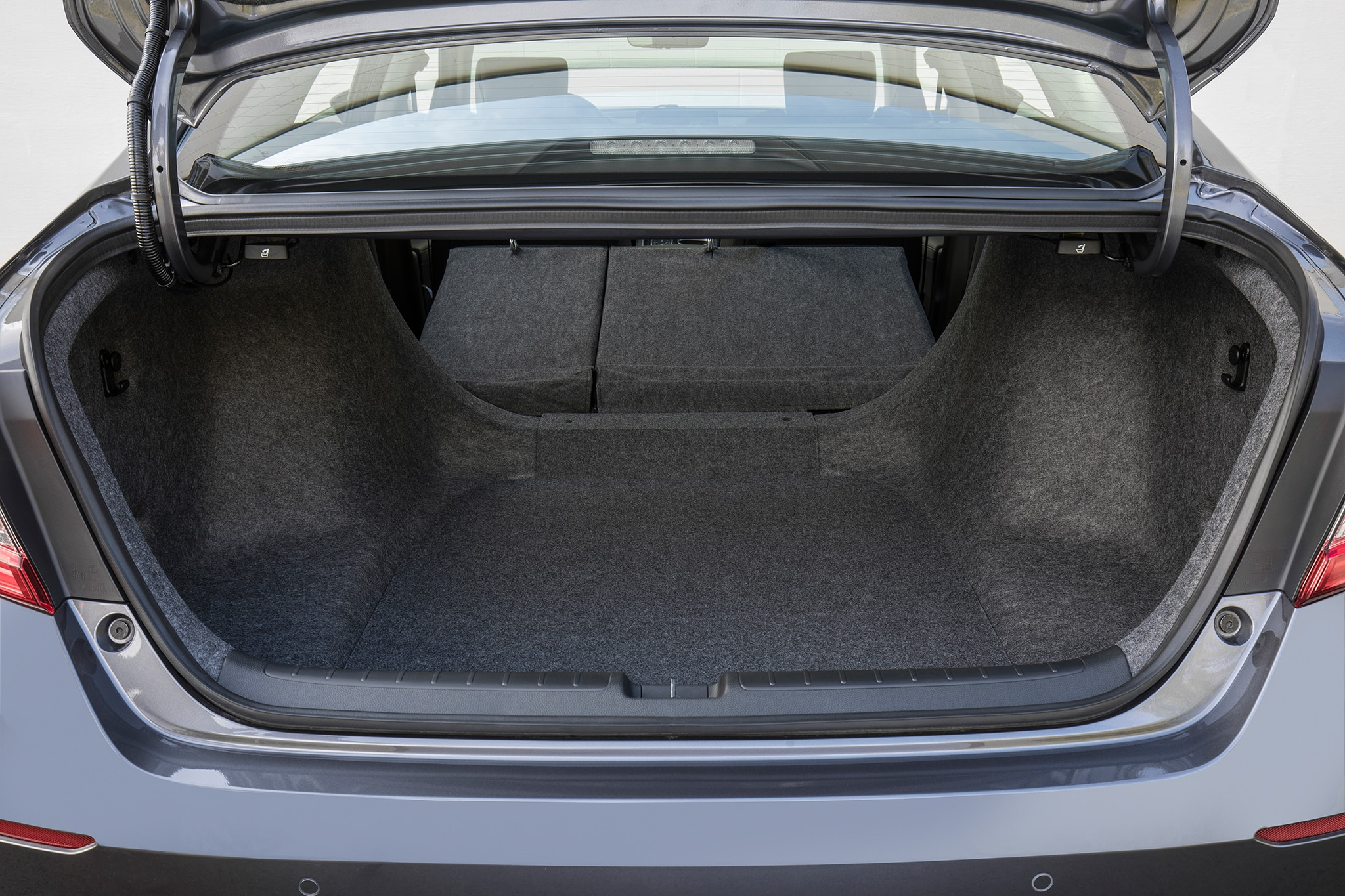 2018 honda accord 2 0t touring quick take review for Honda accord cargo space