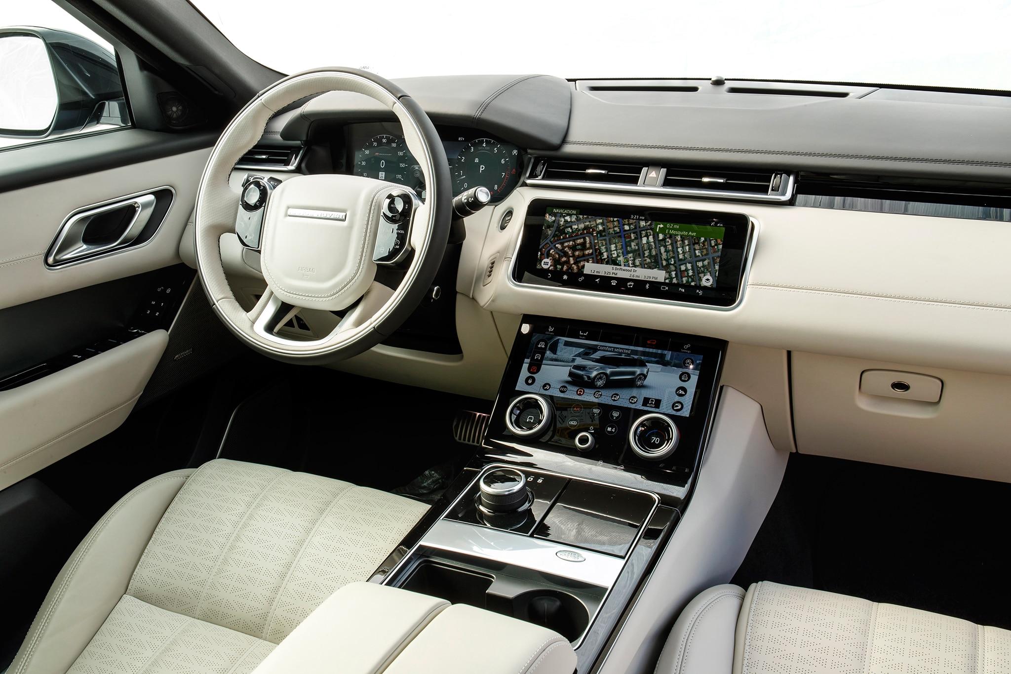 2018-Range-Rover-Velar-cabin.jpg