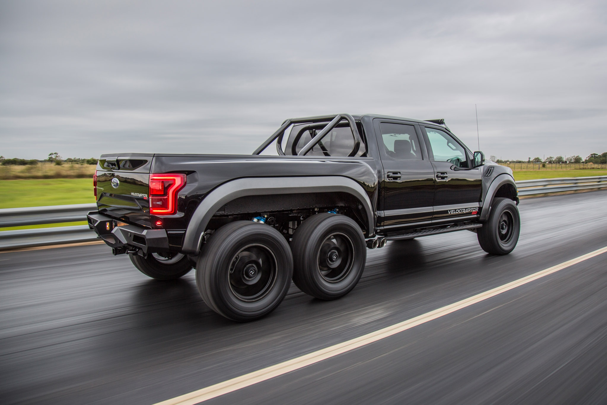 Hennessey Velociraptor 6x6 >> John Hennessey Takes His 349 000 Velociraptor 6x6 Out For A Spin