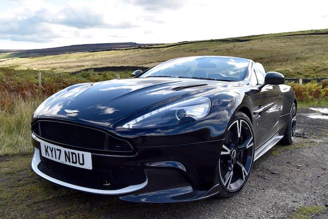 2017 Aston Martin Vanquish S Volante Front Three Quarter 01