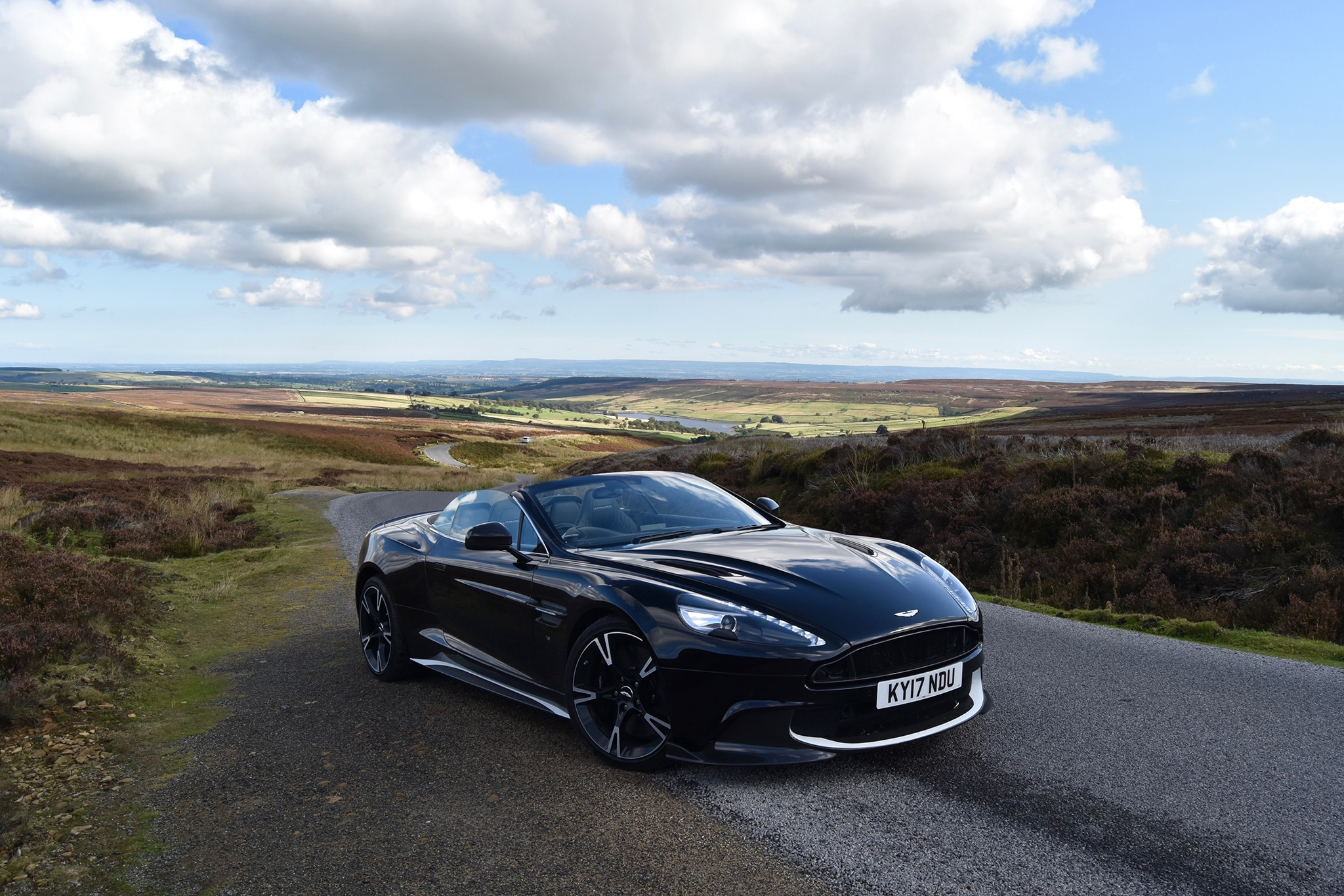 Aston Martin Vanquish S Volante Front Three Quarter