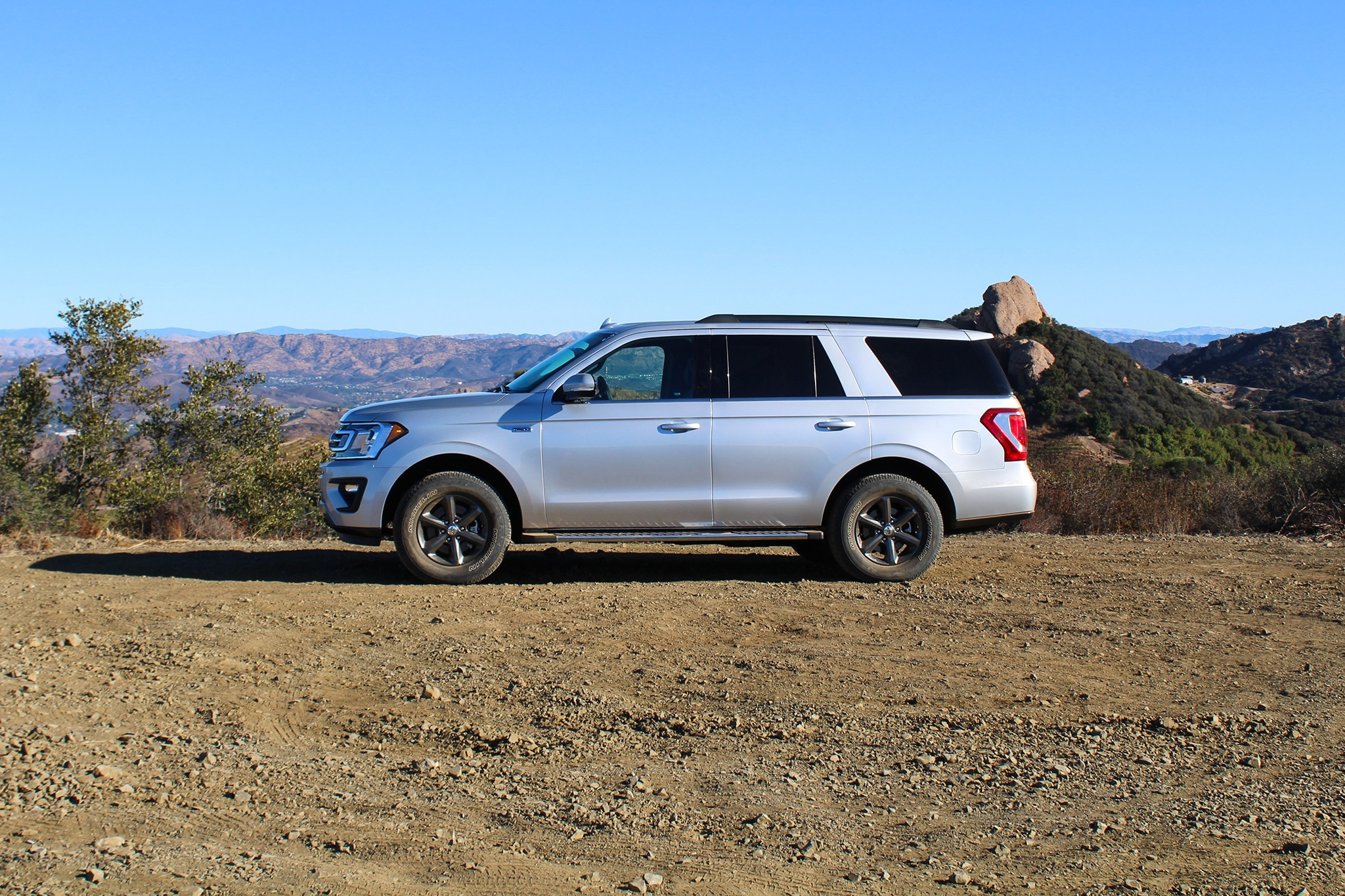 Having Just Driven The New  Lincoln Navigator A Couple Weeks Prior I Had Some Idea Of What To Expect From The Blue Ovals Biggest Suv