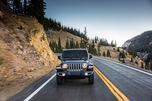 2018 Jeep Wrangler Sahara Front View In Motion 03