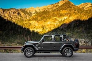 2018 Jeep Wrangler Sahara Side Profile 01