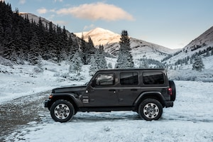 2018 Jeep Wrangler Sahara Side Profile 03