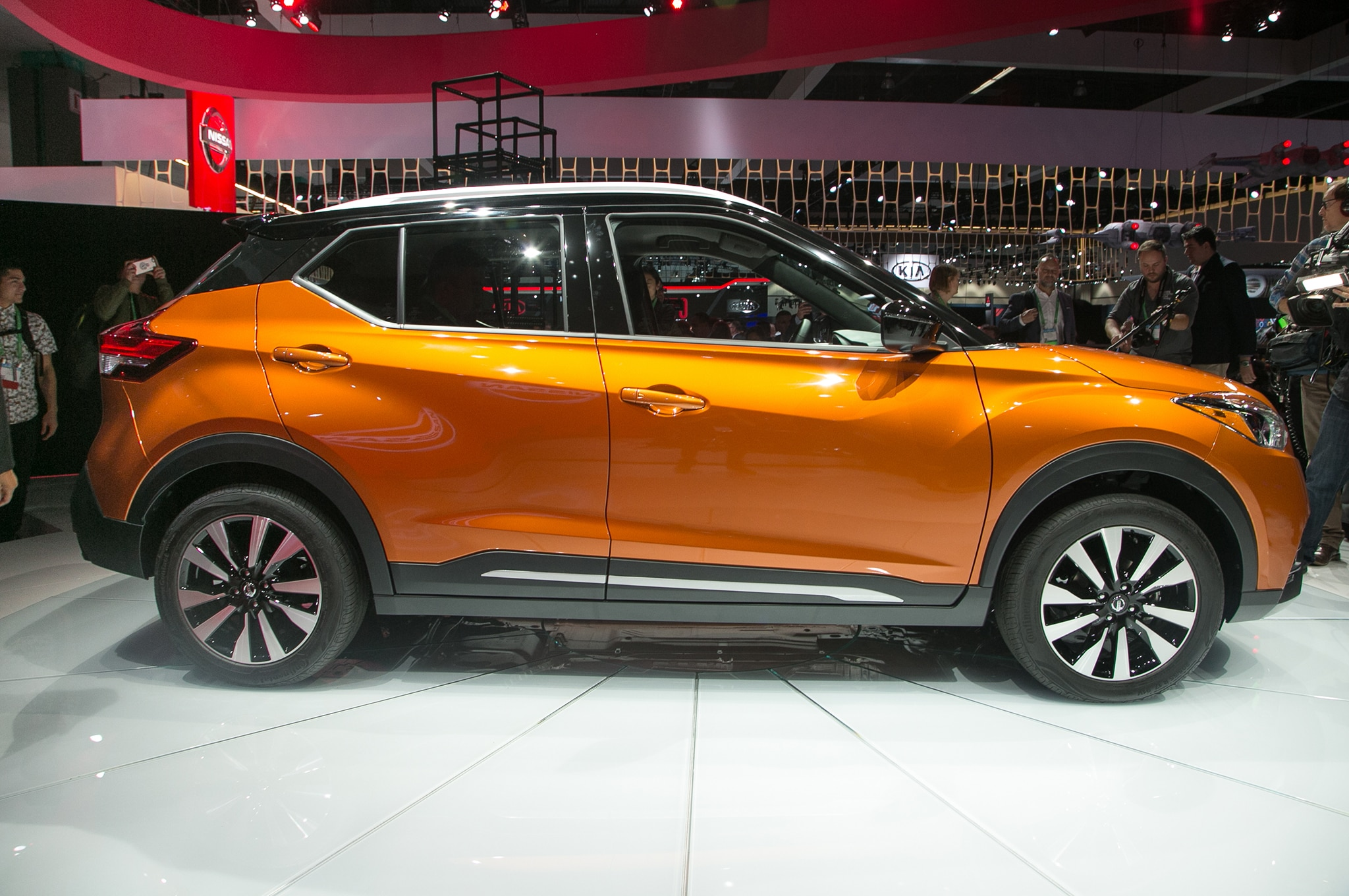 Nissan Route 22 >> Get Your 2018 Nissan Kicks for Route 66 | Automobile Magazine