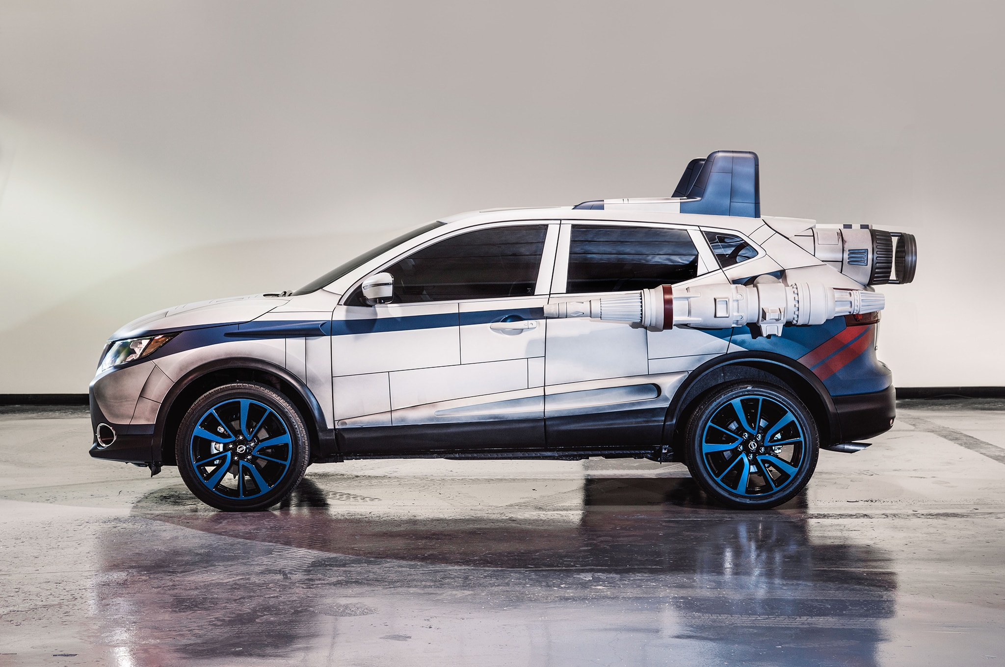 2018 Nissan Rogue Sport Show Car A Wing Side