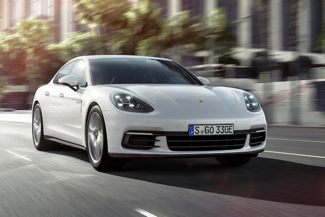 2018 Porsche Panamera 4 E Hybrid Front Three Quarter In Motion