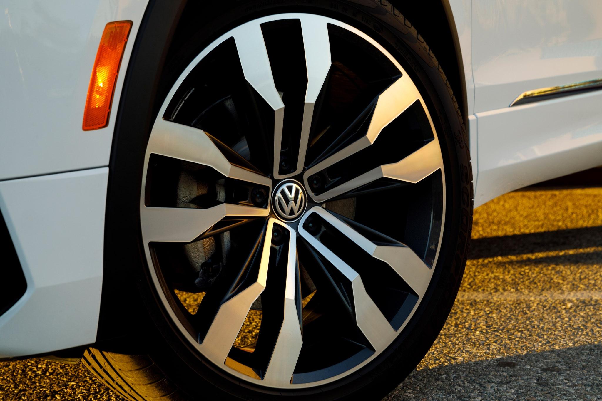 2018 Volkswagen Tiguan Gets R-Line Flair | Automobile Magazine