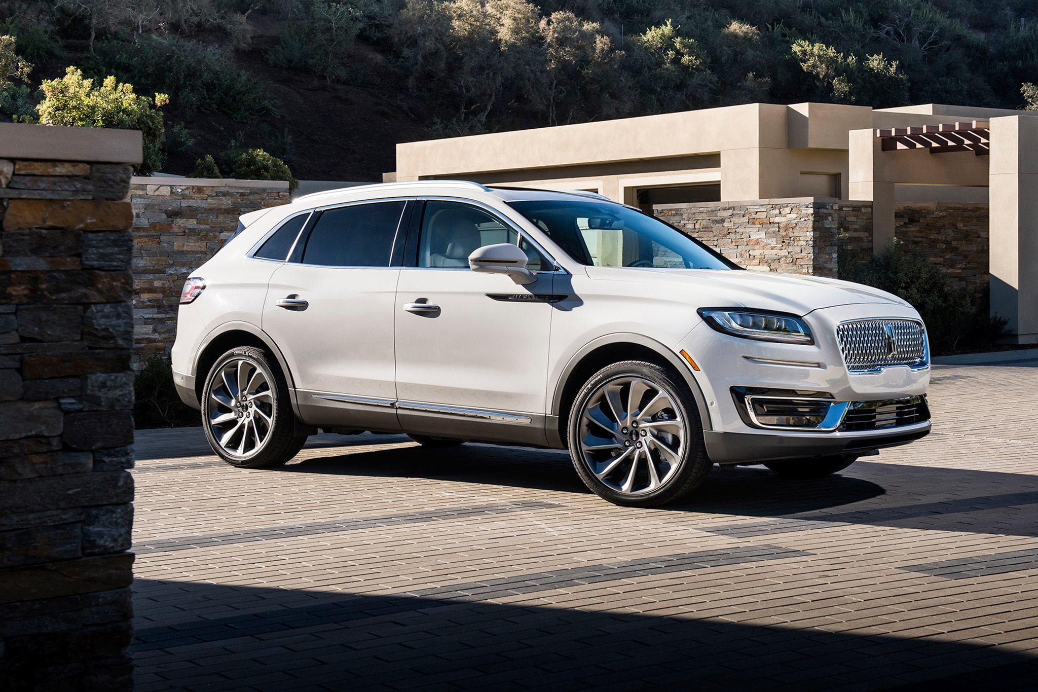 2019 Lincoln Nautilus Surfaces In L A Automobile Magazine