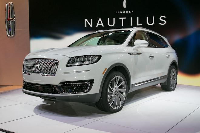 2019 Lincoln Nautilus Front Three Quarter