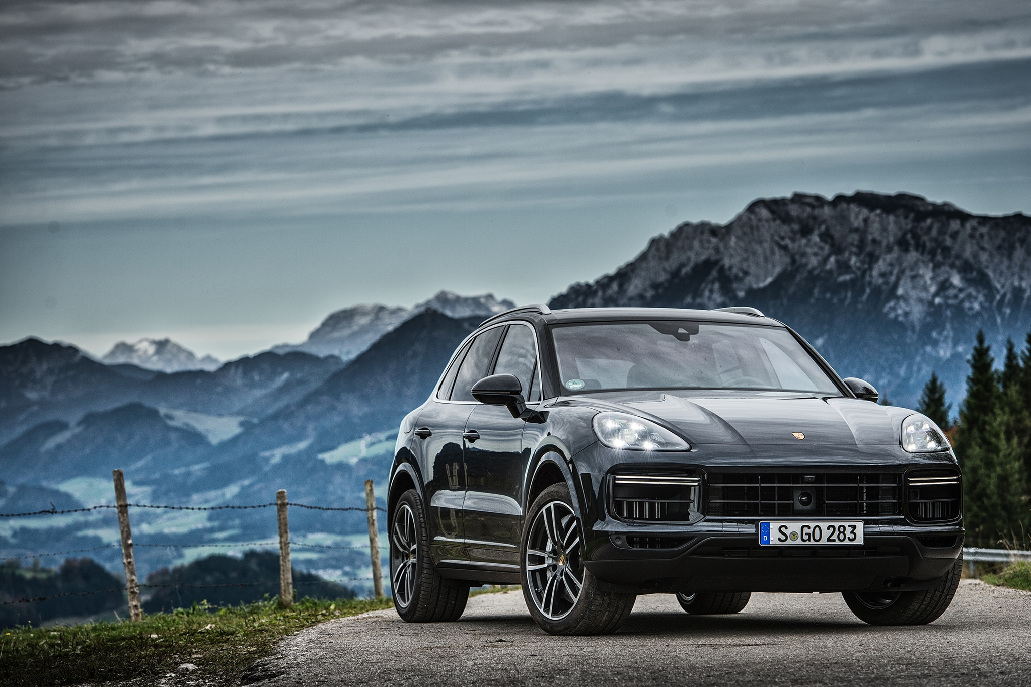 2019 Porsche Cayenne Turbo First Drive Review   Automobile ...