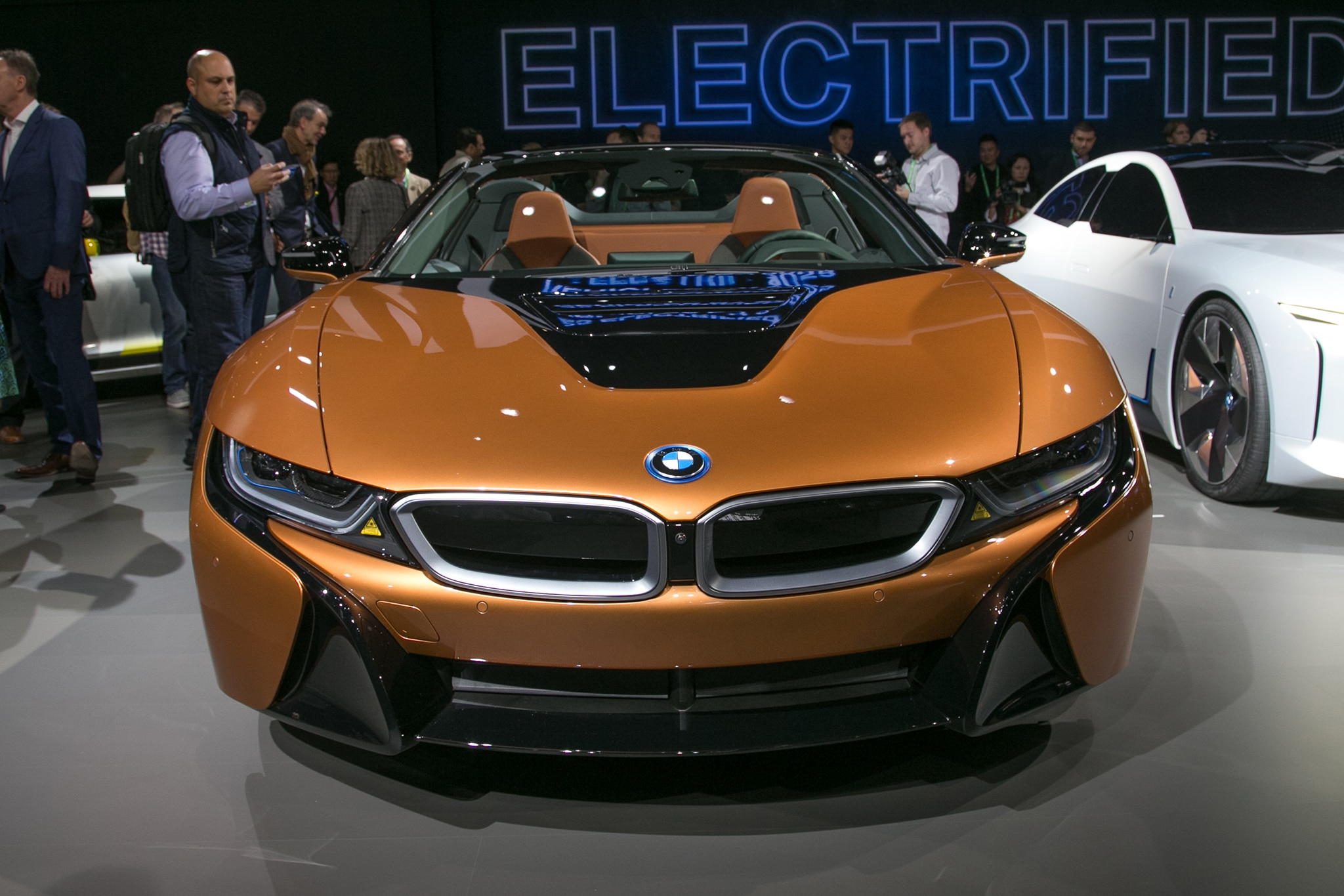 2019 Bmw I8 Roadster Arrives Alongside Updated Coupe Automobile