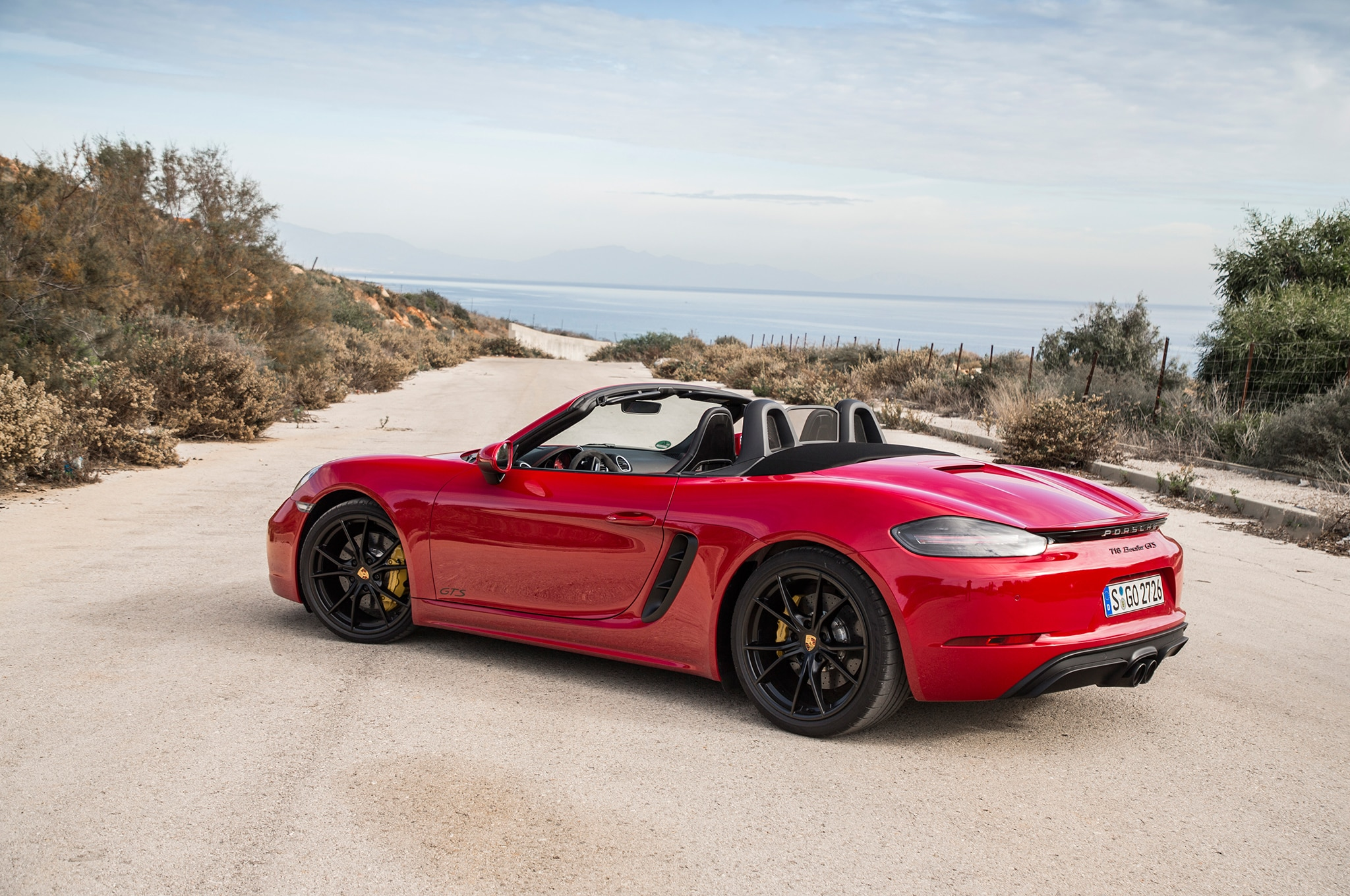 Pure Sport: 2018 Porsche 718 Boxster GTS And 718 Cayman